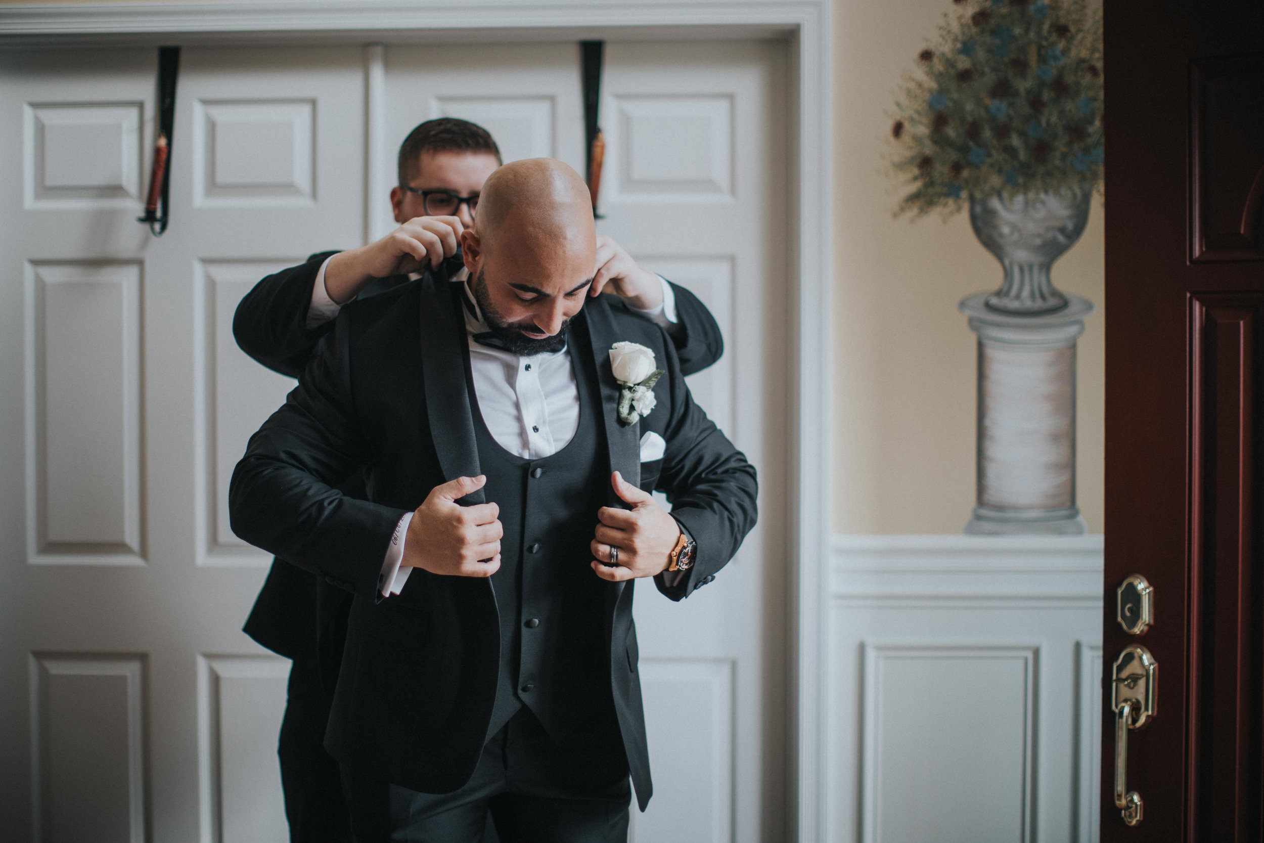 New-Jersey-Wedding-Photographer-Luciens-GettingReady-Nicole&Sam-26.jpg