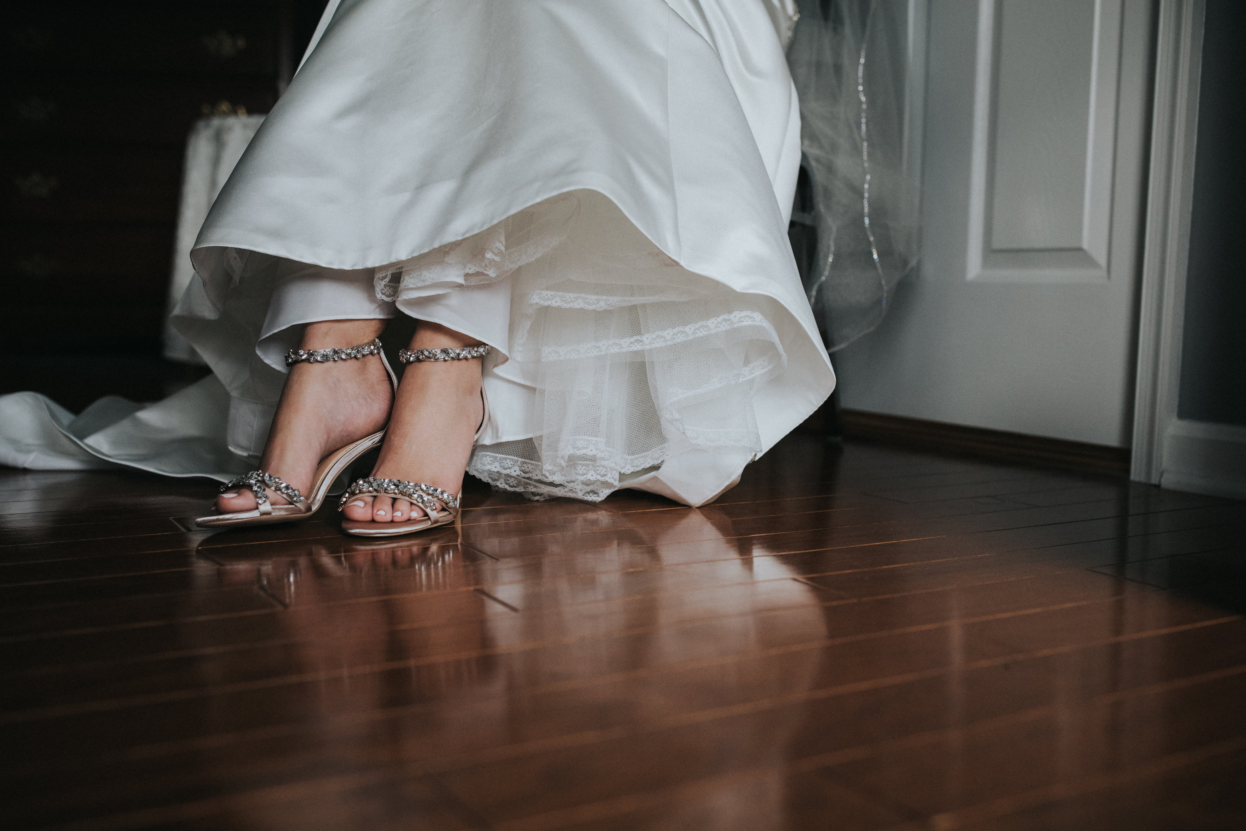 New-Jersey-Wedding-Photographer-Luciens-GettingReady-Nicole&Sam-37.jpg