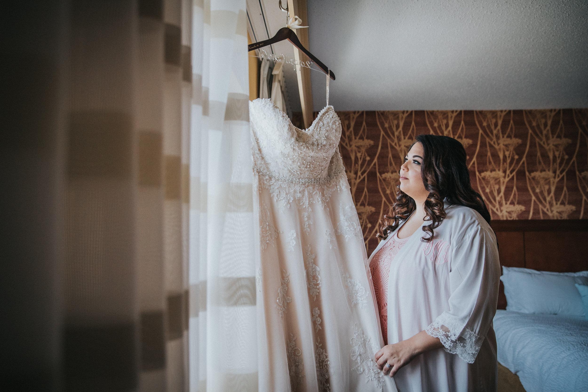 New-Jersey-Wedding-Photography-Brigalias-Deanna&Darryl-GettingReady-68.jpg