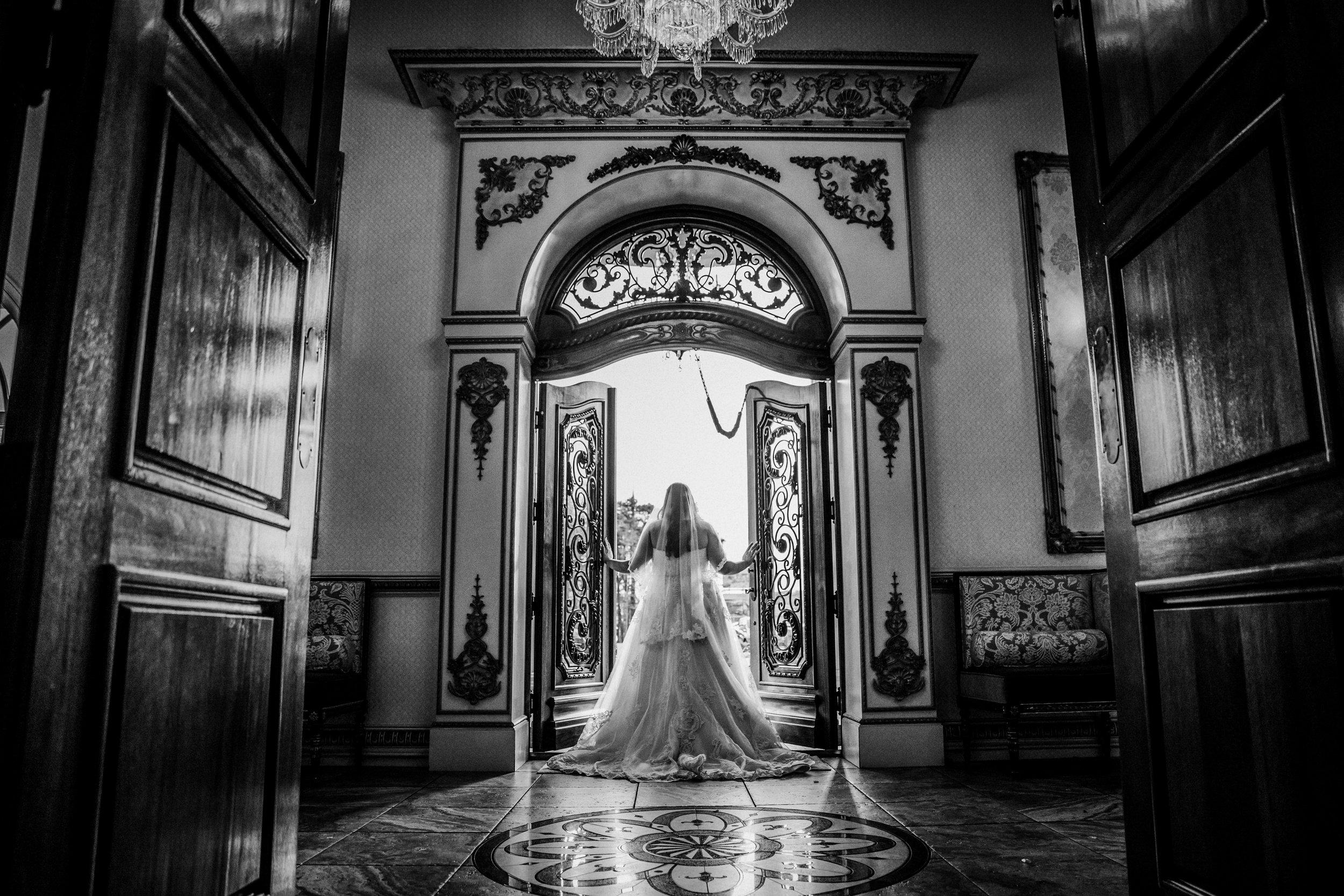New-Jersey-Wedding-Photography-Brigalias-Deanna&Darryl-BRIDE&GROOM-BW-42.jpg