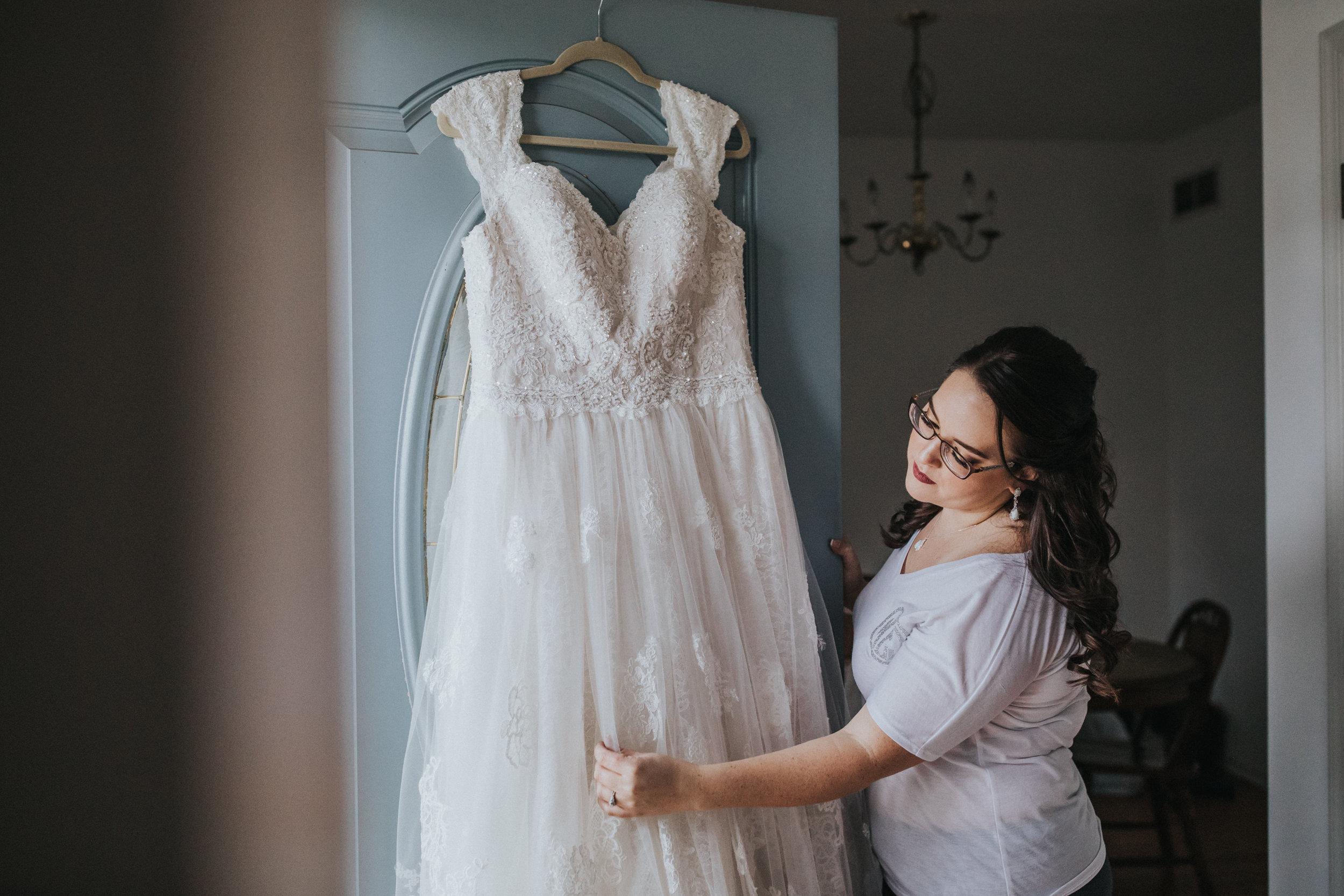 New-Jersey-Wedding-Photography-Fishers-Tudor-House-JennaLynnPhotography-Getting-Ready-Kathleen&Eddie-35.jpg