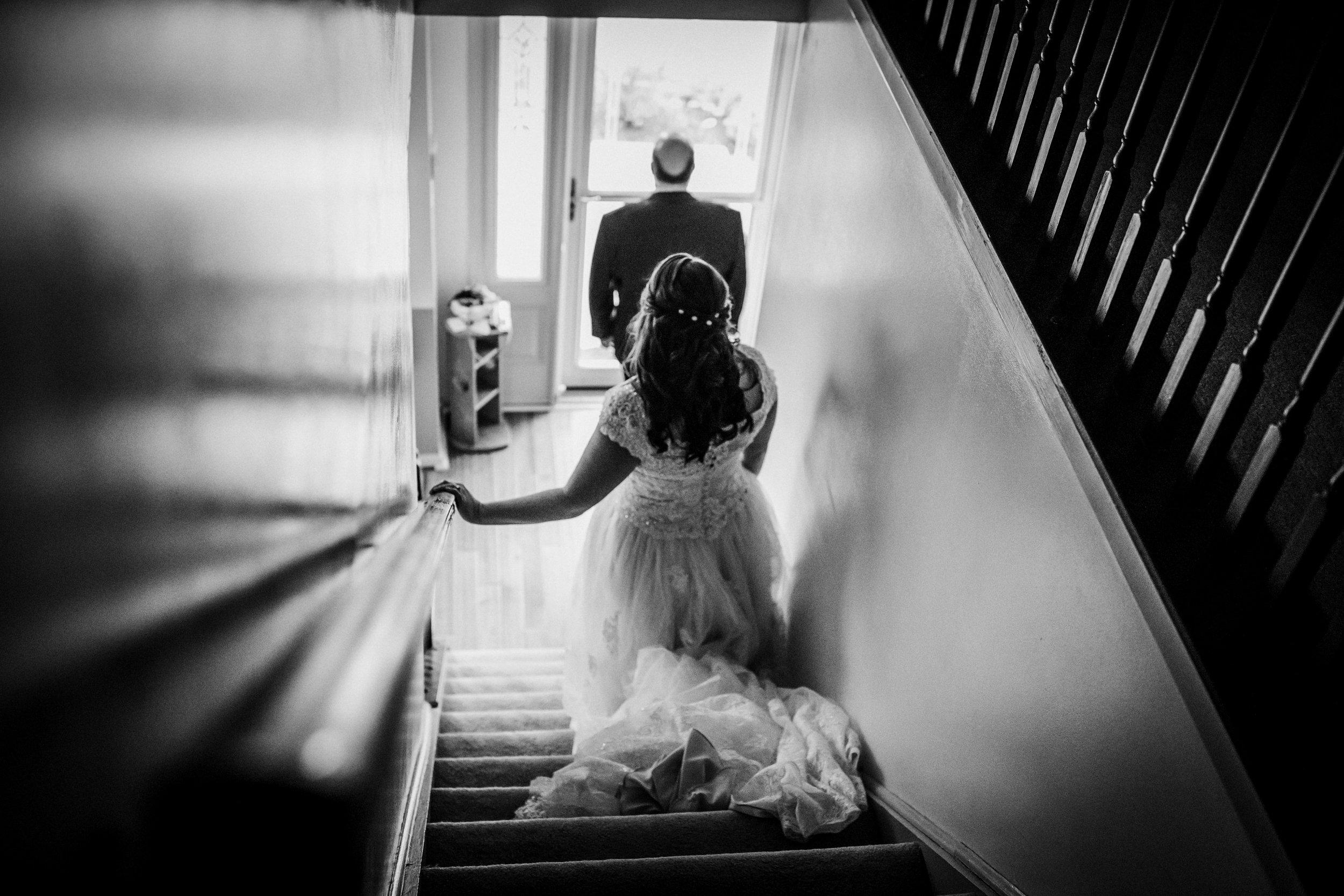New-Jersey-Wedding-Photography-Fishers-Tudor-House-JennaLynnPhotography-GettingReadyBW-Kathleen&Eddie-61.jpg