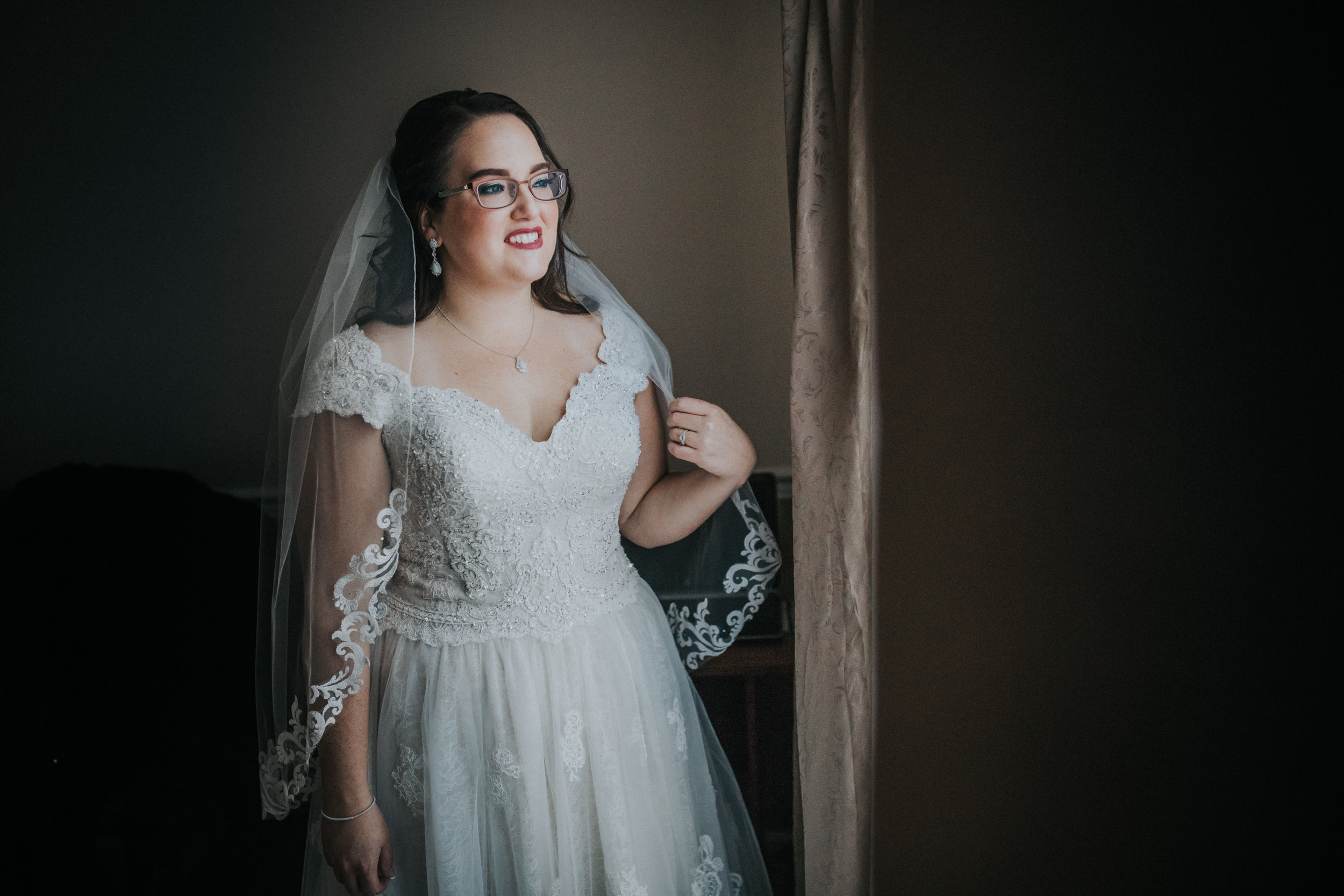 New-Jersey-Wedding-Photography-Fishers-Tudor-House-JennaLynnPhotography-Getting-Ready-Kathleen&Eddie-72.jpg