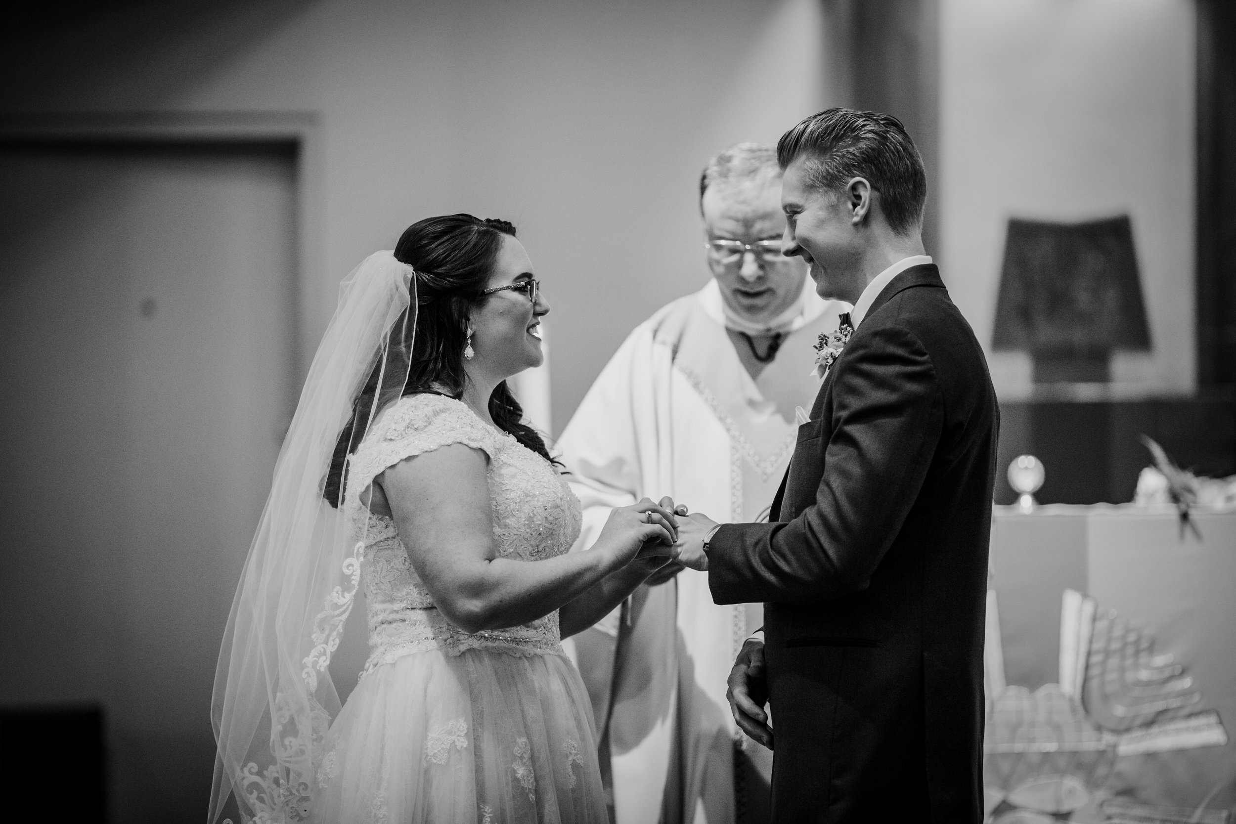 New-Jersey-Wedding-Photography-Fishers-Tudor-House-JennaLynnPhotography-CeremonyBW-Kathleen&Eddie-39.jpg