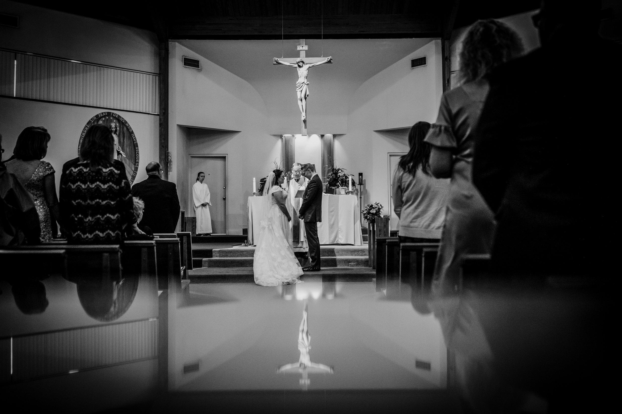 New-Jersey-Wedding-Photography-Fishers-Tudor-House-JennaLynnPhotography-CeremonyBW-Kathleen&Eddie-45.jpg