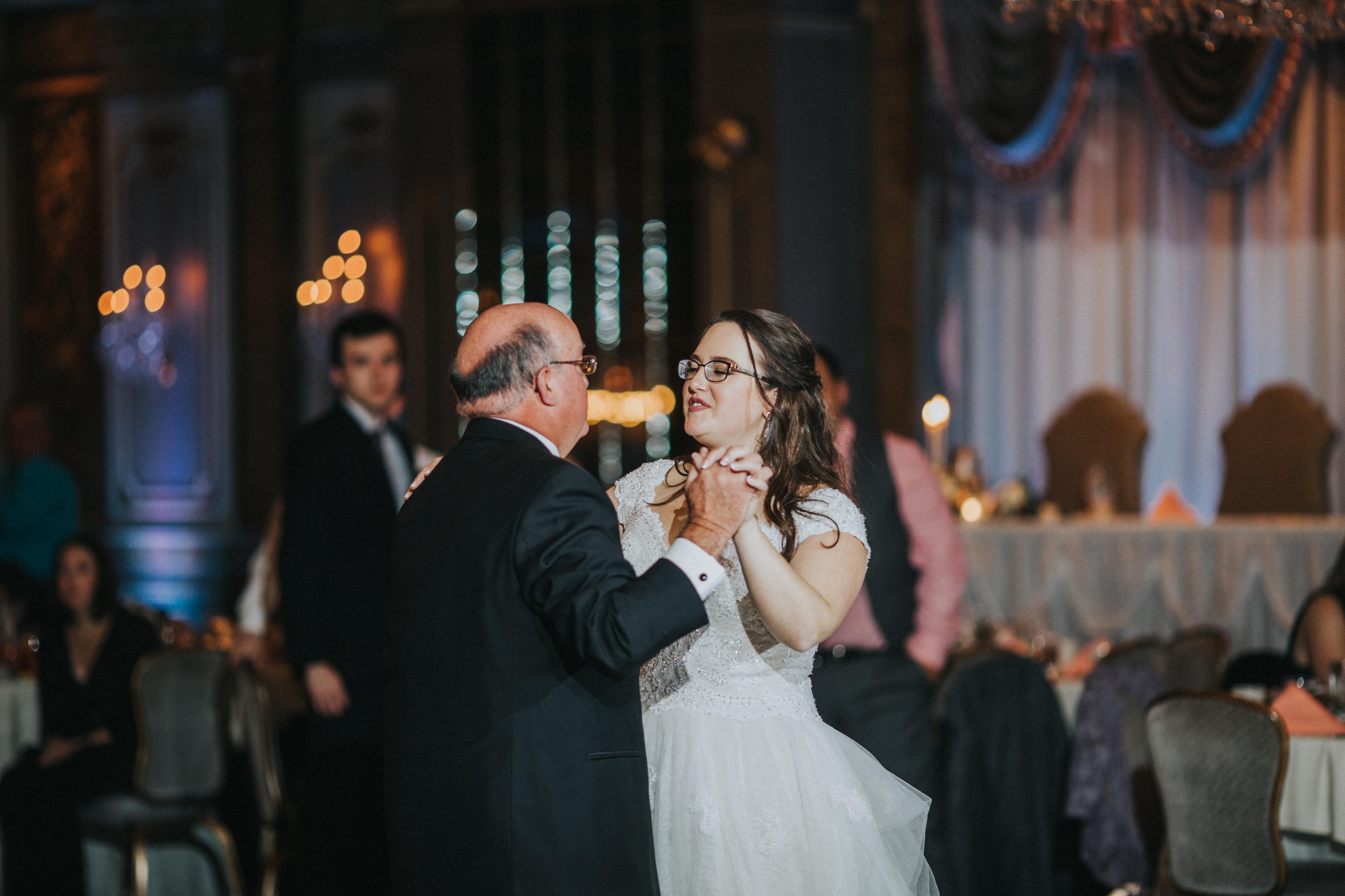 New-Jersey-Wedding-Photography-Fishers-Tudor-House-JennaLynnPhotography-Reception-Kathleen&Eddie-32.jpg