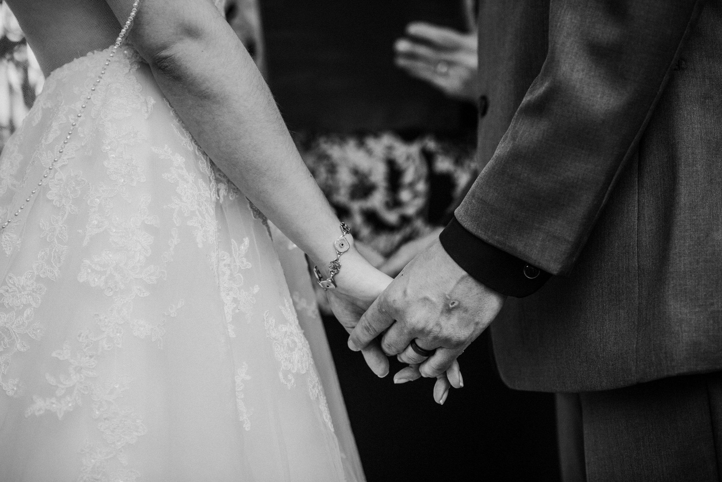 New-Jersey-Wedding-Photographer-Megan&Nick-CeremonyBW-69.jpg