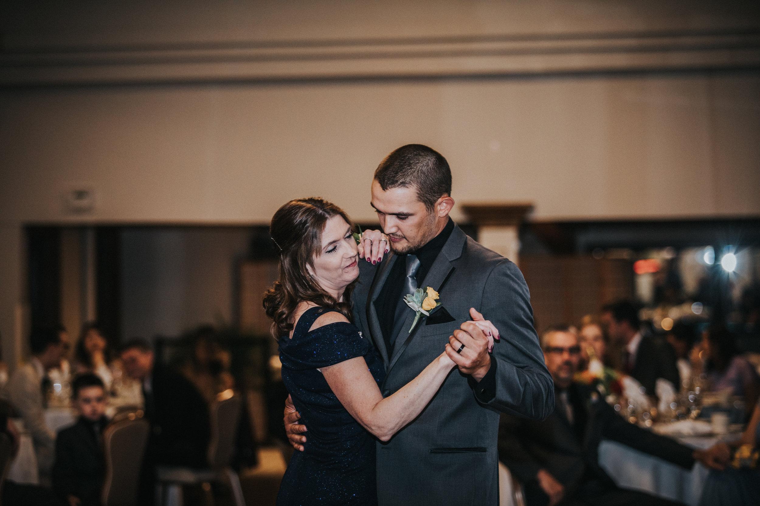 New-Jersey-Wedding-Photographer-Megan&Nick-Reception-62.jpg
