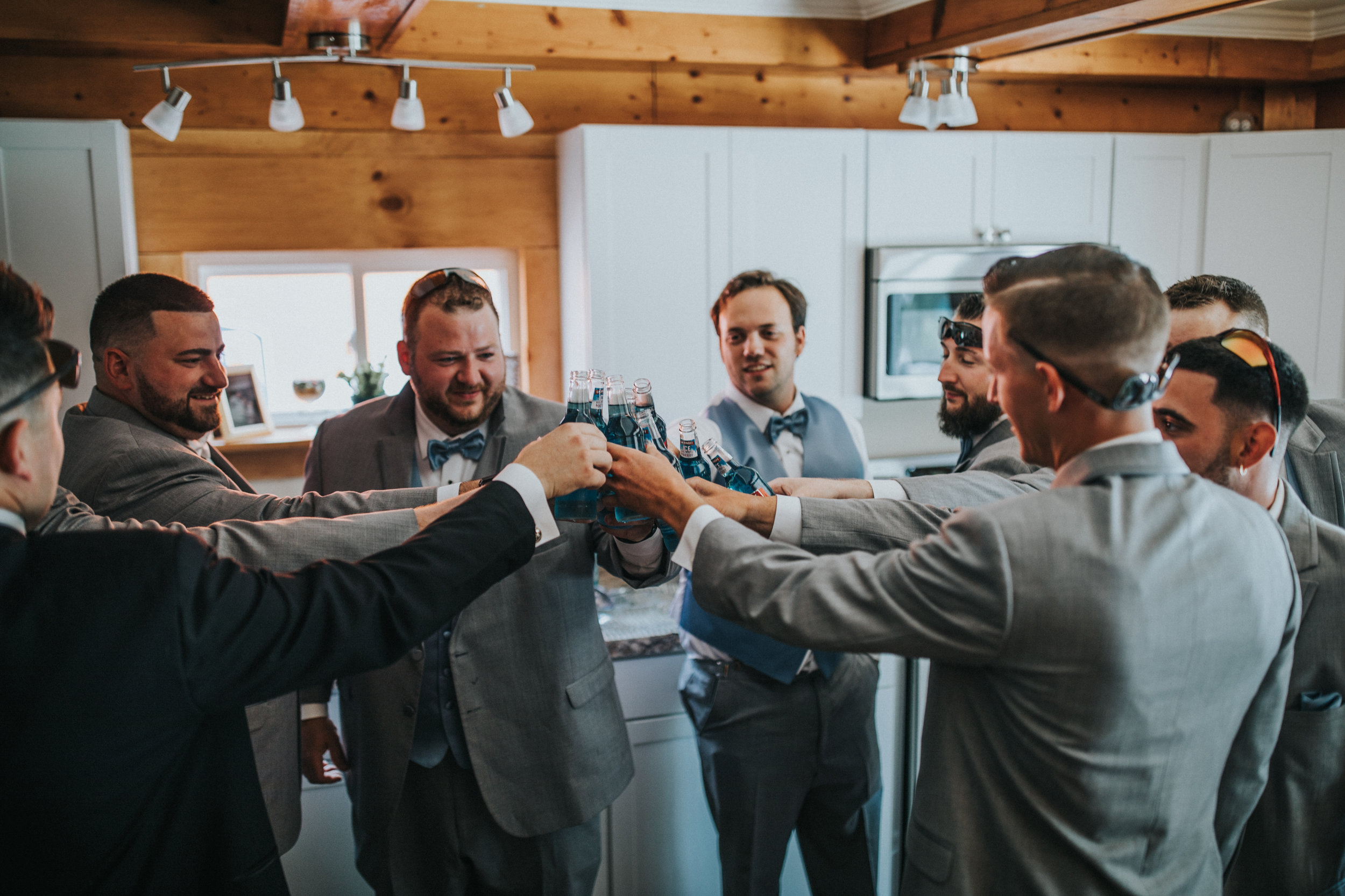 New-Jersey-Wedding-Photographer-JennaLynnPhotography-ValenzanoWinery-GettingReady-80.jpg