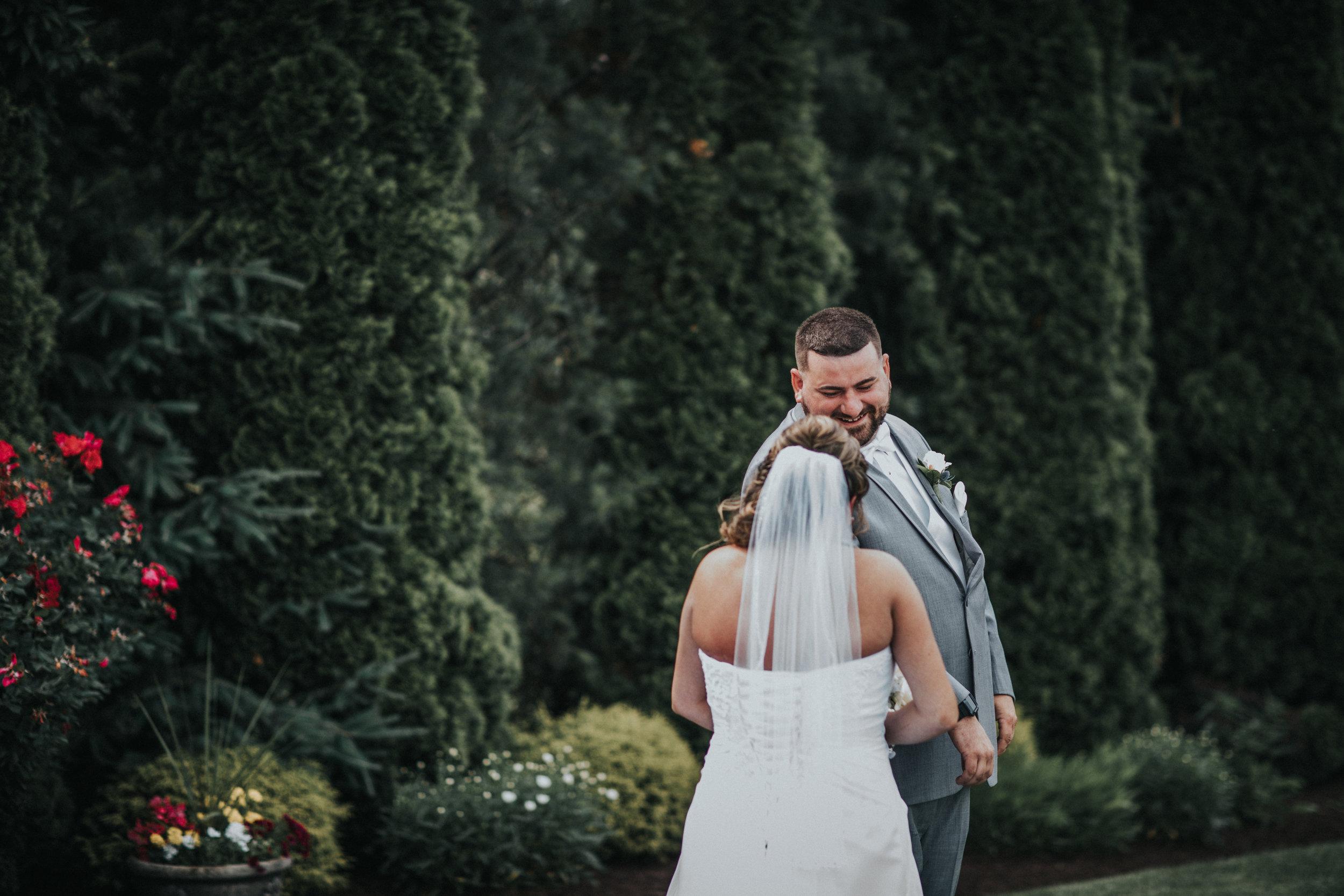 New-Jersey-Wedding-Photographer-JennaLynnPhotography-ValenzanoWinery-FirstLook-2.jpg