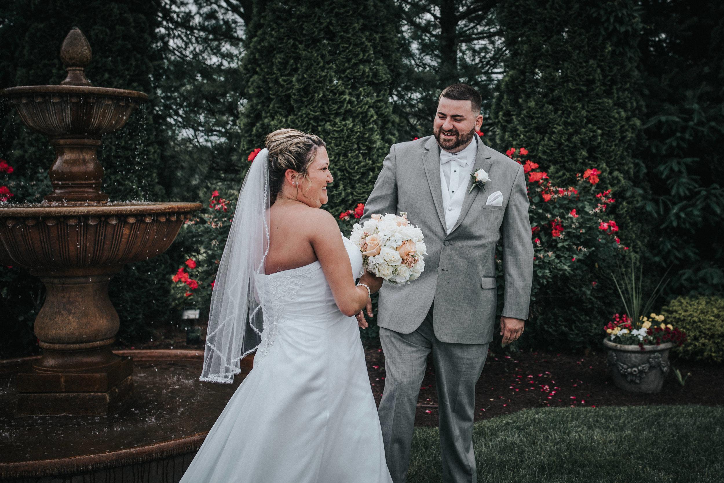 New-Jersey-Wedding-Photographer-JennaLynnPhotography-ValenzanoWinery-FirstLook-11.jpg