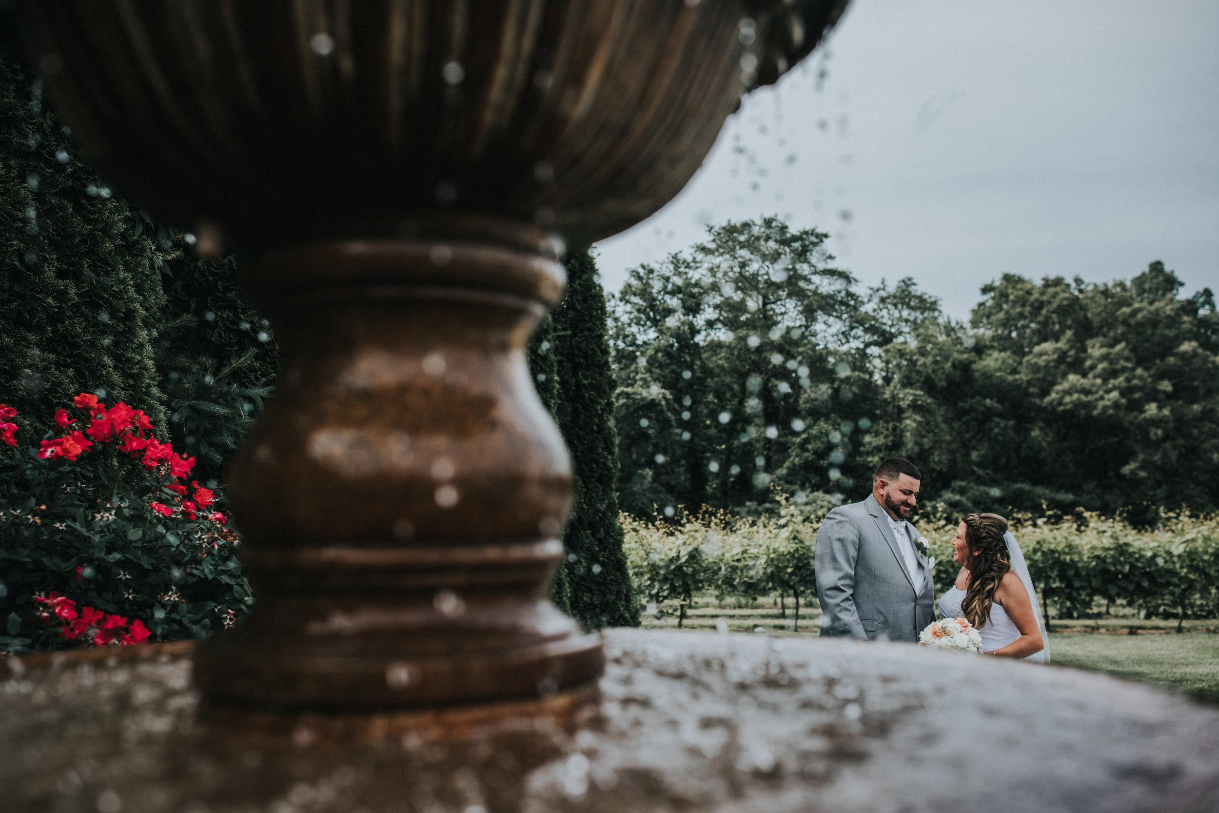 New-Jersey-Wedding-Photographer-JennaLynnPhotography-ValenzanoWinery-FirstLook-12.jpg