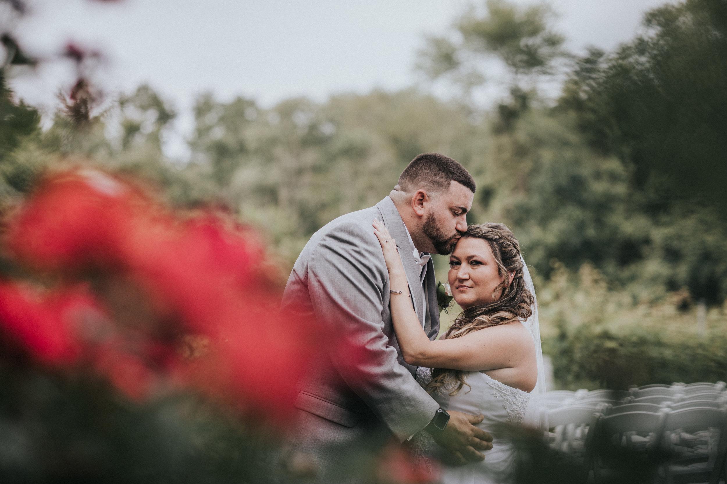 New-Jersey-Wedding-Photographer-JennaLynnPhotography-ValenzanoWinery-FirstLook-18.jpg