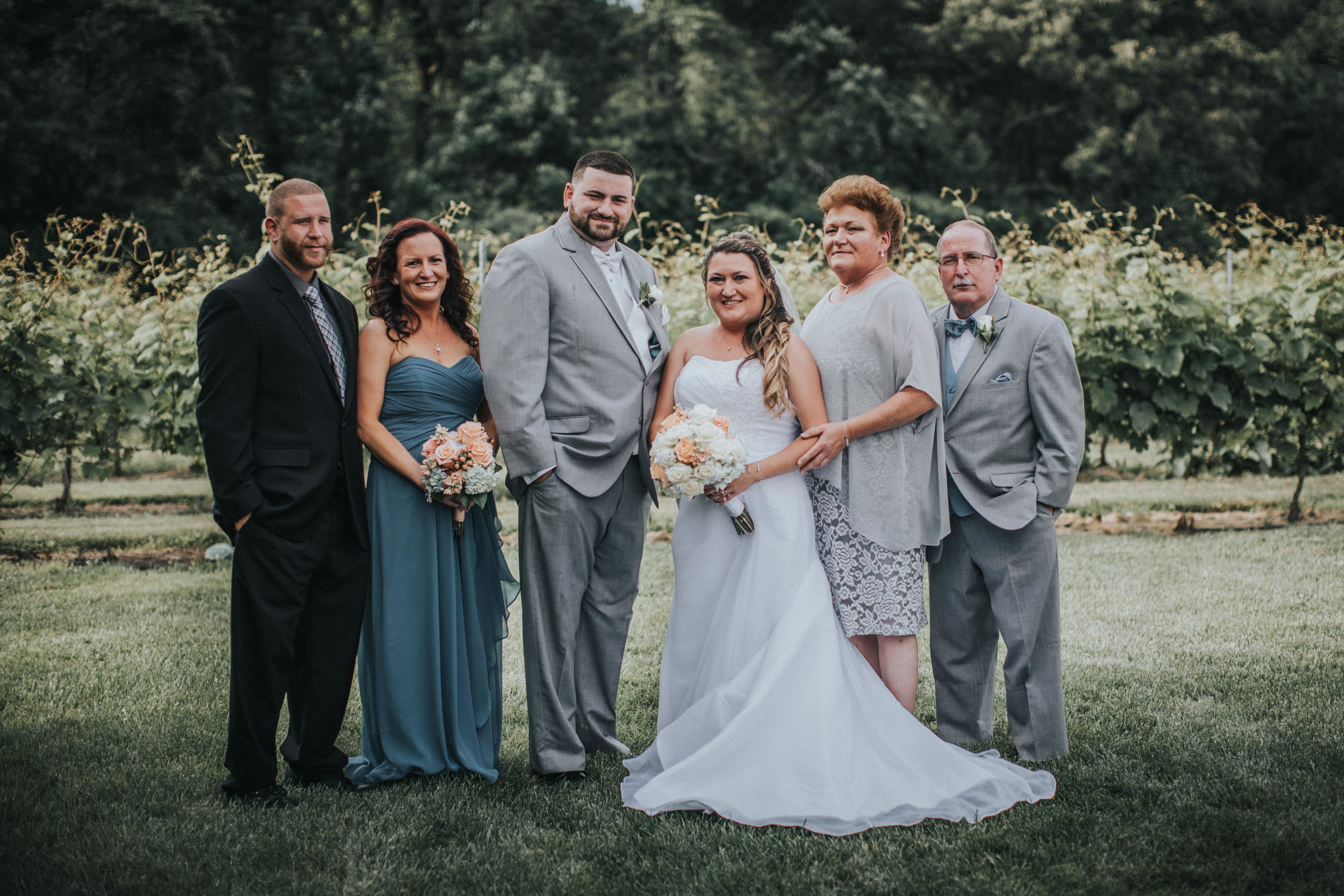 New-Jersey-Wedding-Photographer-JennaLynnPhotography-ValenzanoWinery-Family-34.jpg