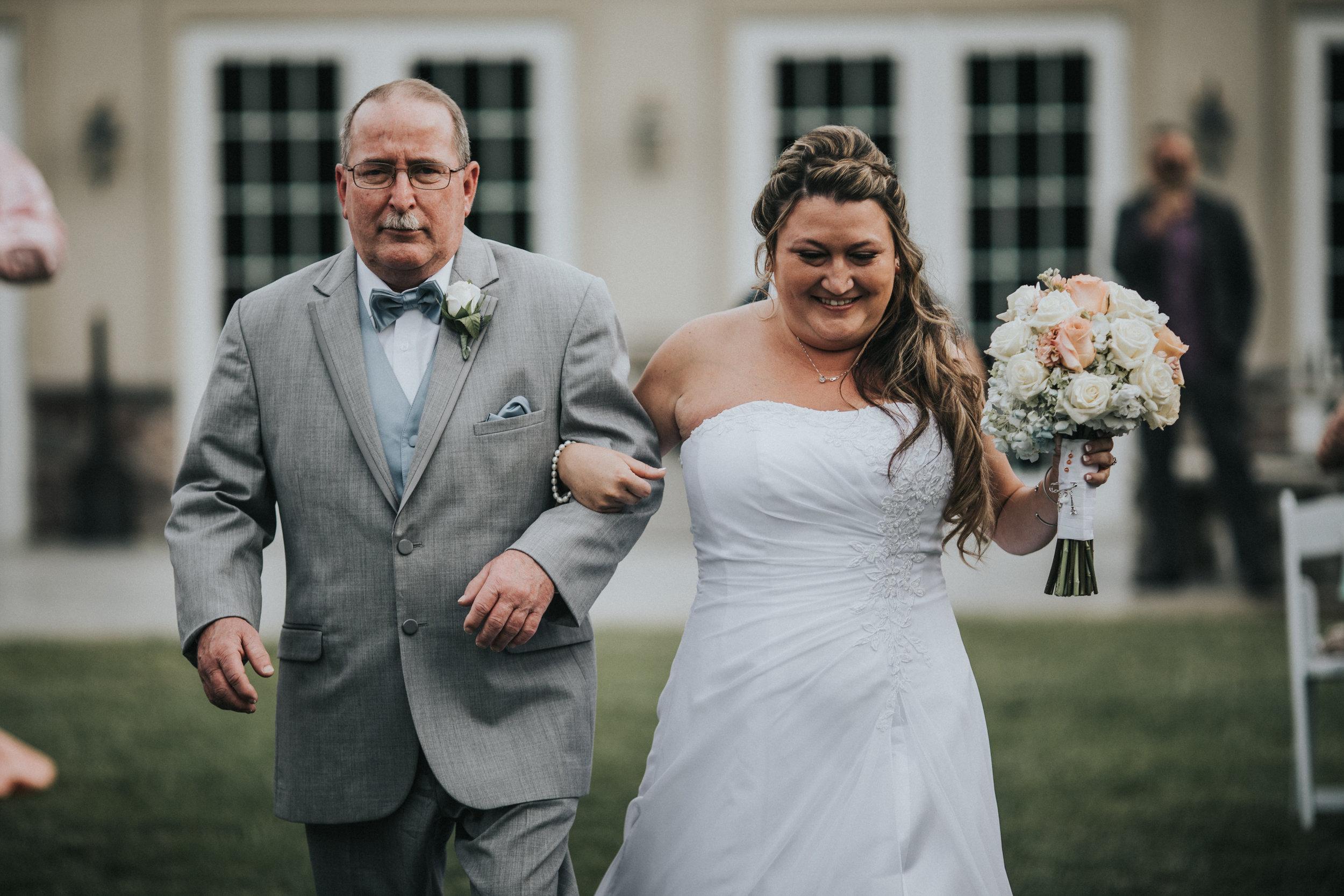 New-Jersey-Wedding-Photographer-JennaLynnPhotography-ValenzanoWinery-Ceremony-35.jpg