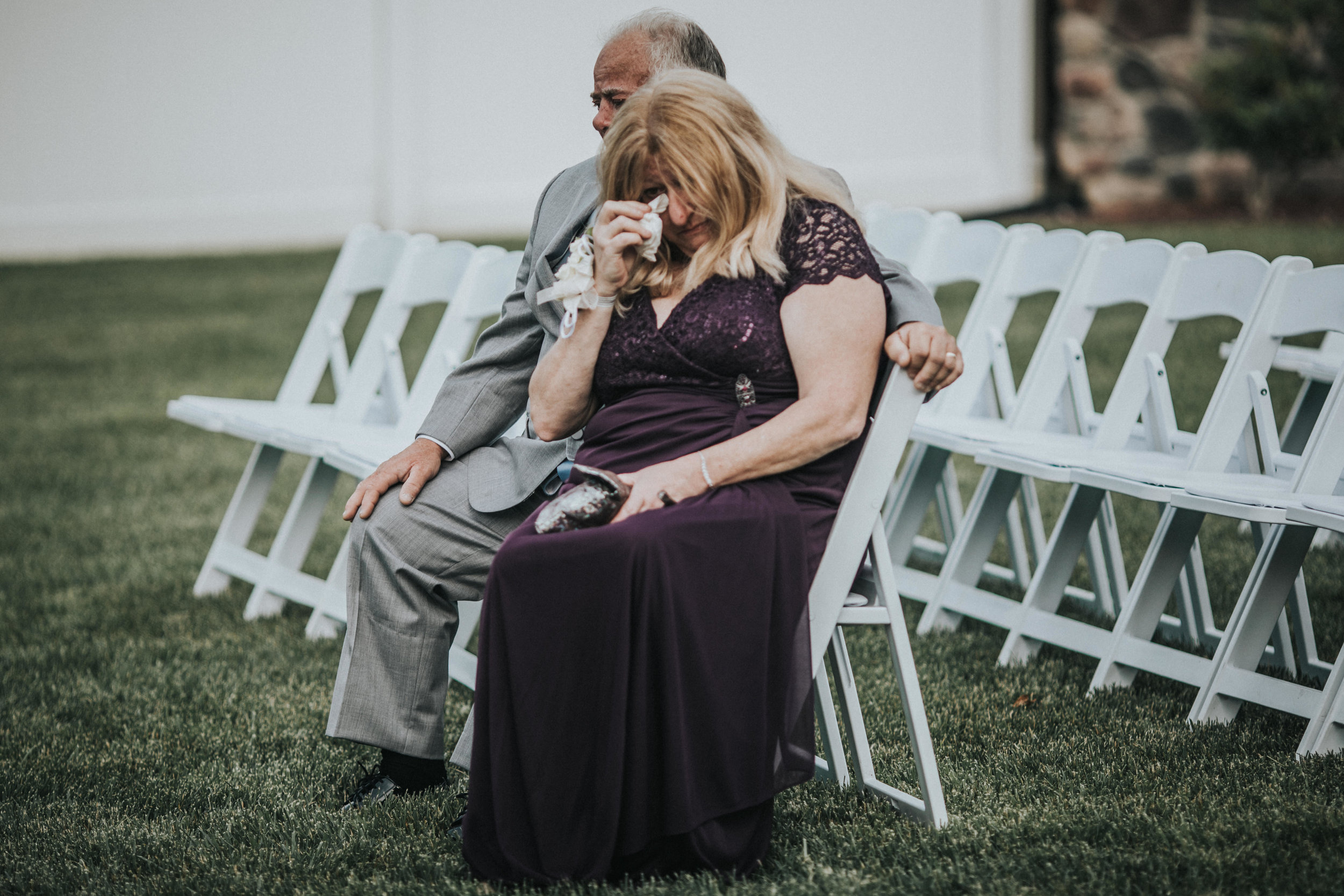 New-Jersey-Wedding-Photographer-JennaLynnPhotography-ValenzanoWinery-Ceremony-43.jpg