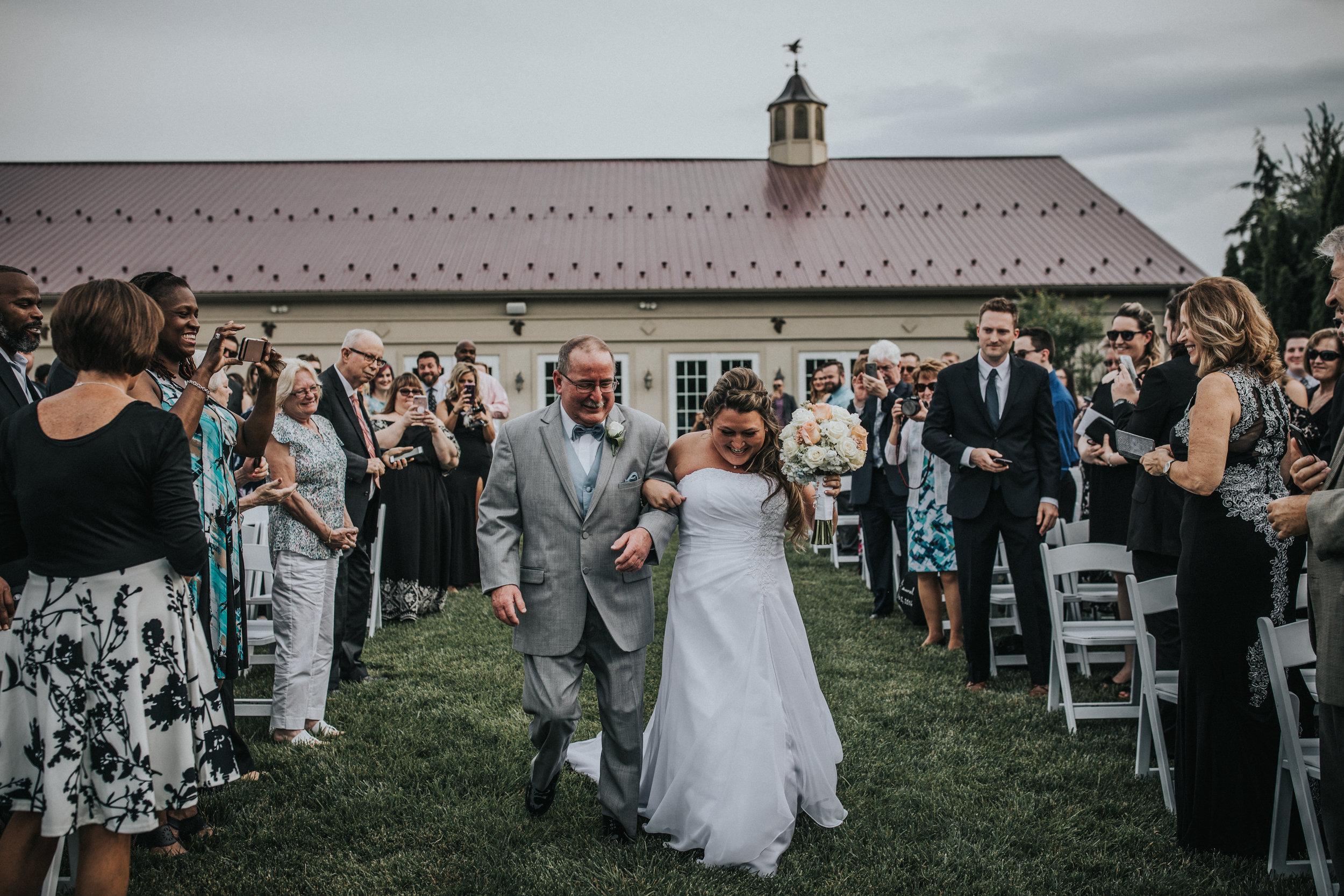 New-Jersey-Wedding-Photographer-JennaLynnPhotography-ValenzanoWinery-Ceremony-36.jpg