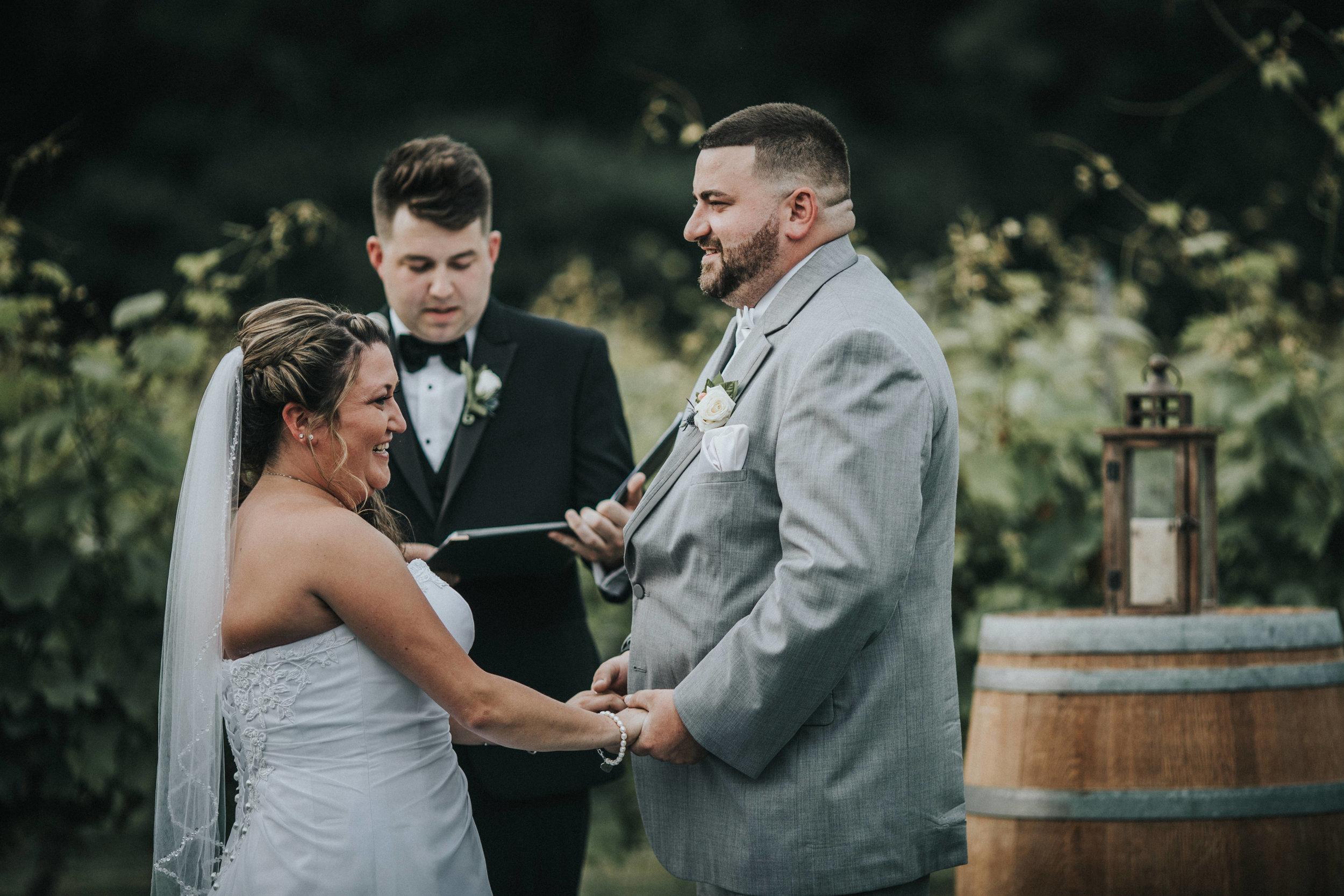 New-Jersey-Wedding-Photographer-JennaLynnPhotography-ValenzanoWinery-Ceremony-62.jpg