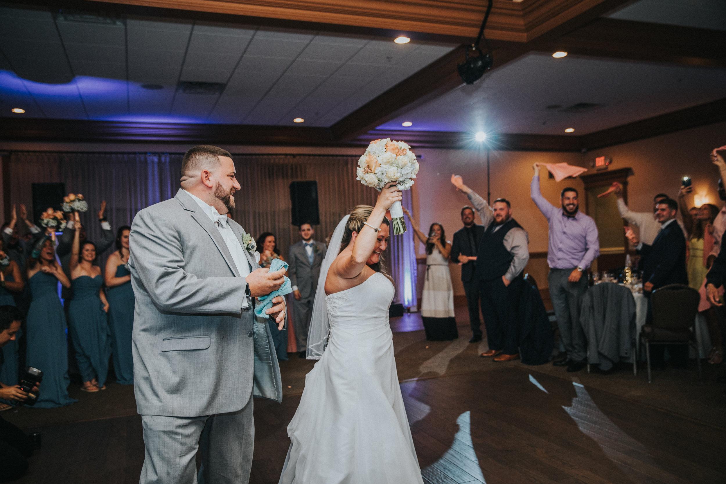 New-Jersey-Wedding-Photographer-JennaLynnPhotography-ValenzanoWinery-Reception-30.jpg