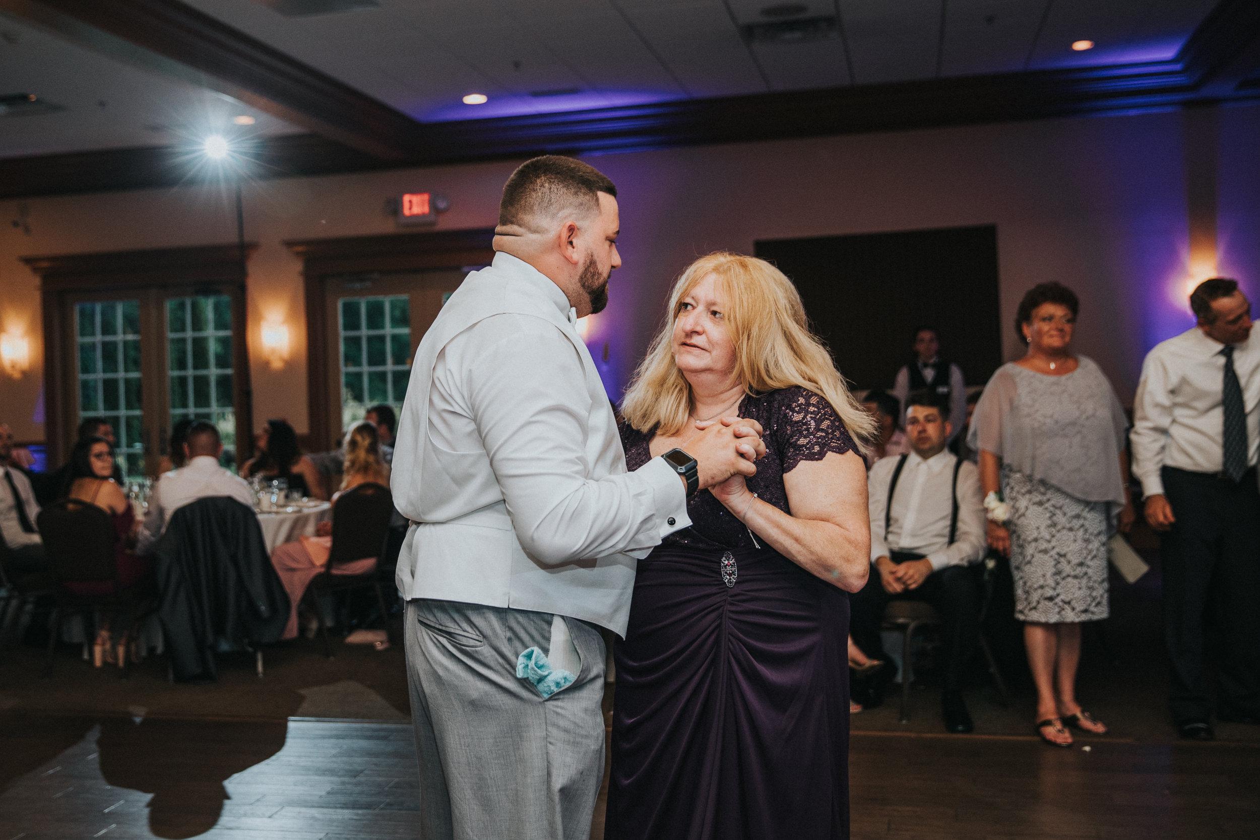 New-Jersey-Wedding-Photographer-JennaLynnPhotography-ValenzanoWinery-Reception-51.jpg
