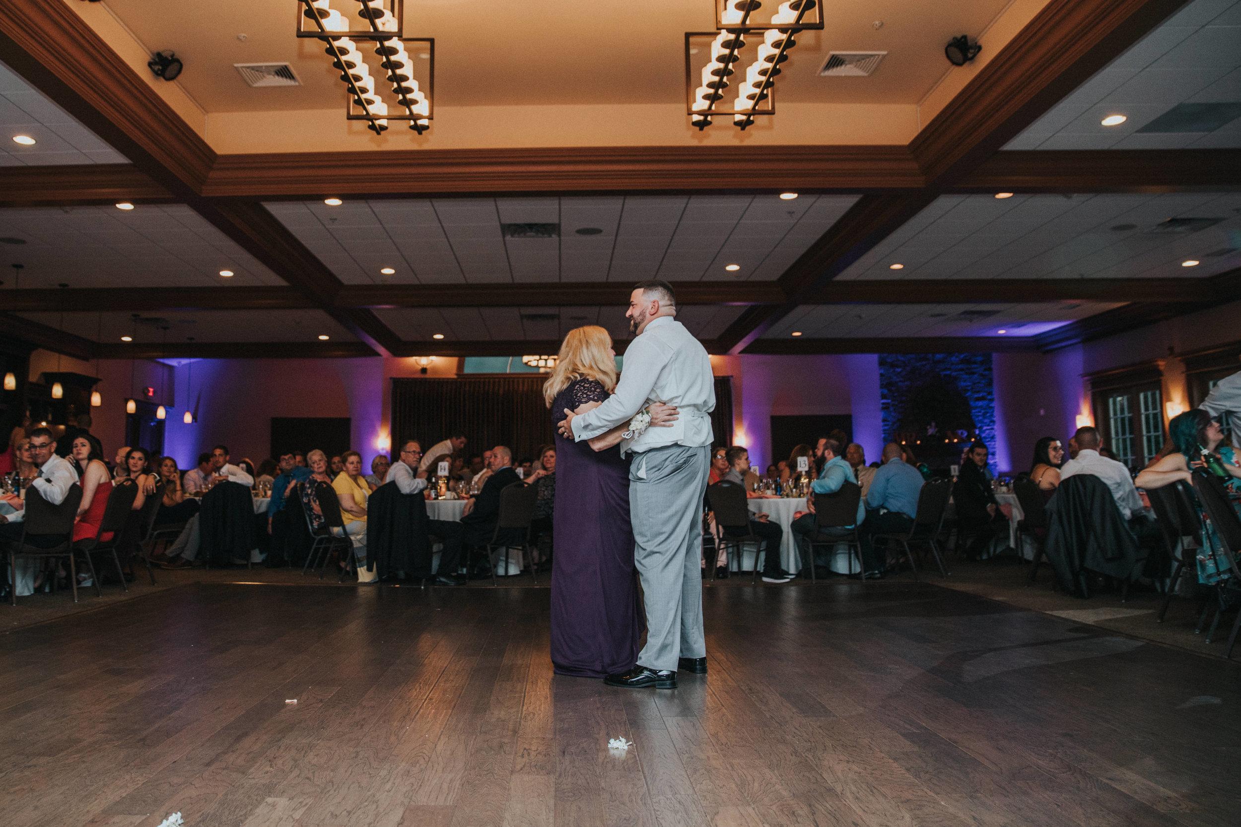 New-Jersey-Wedding-Photographer-JennaLynnPhotography-ValenzanoWinery-Reception-53.jpg