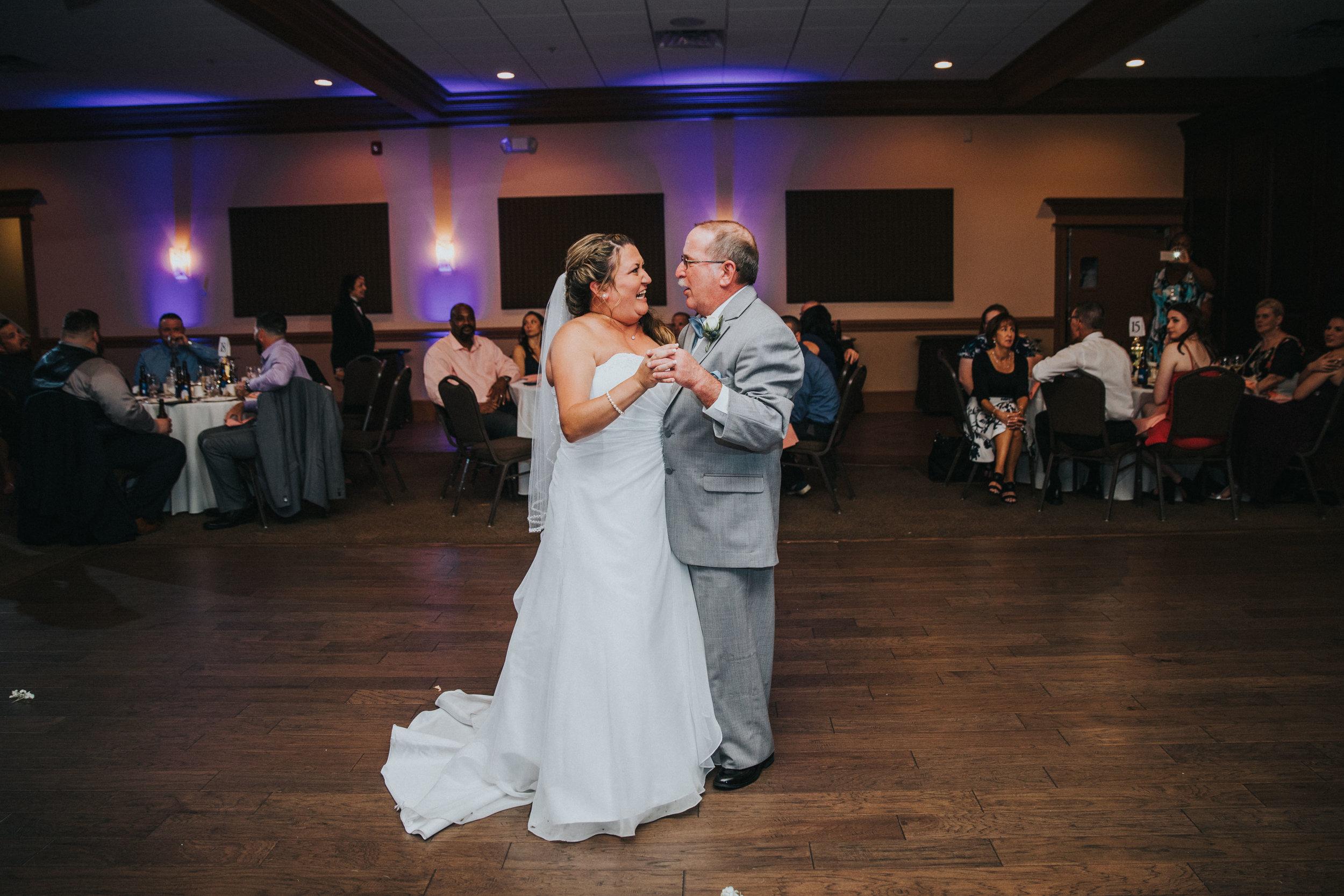 New-Jersey-Wedding-Photographer-JennaLynnPhotography-ValenzanoWinery-Reception-62.jpg