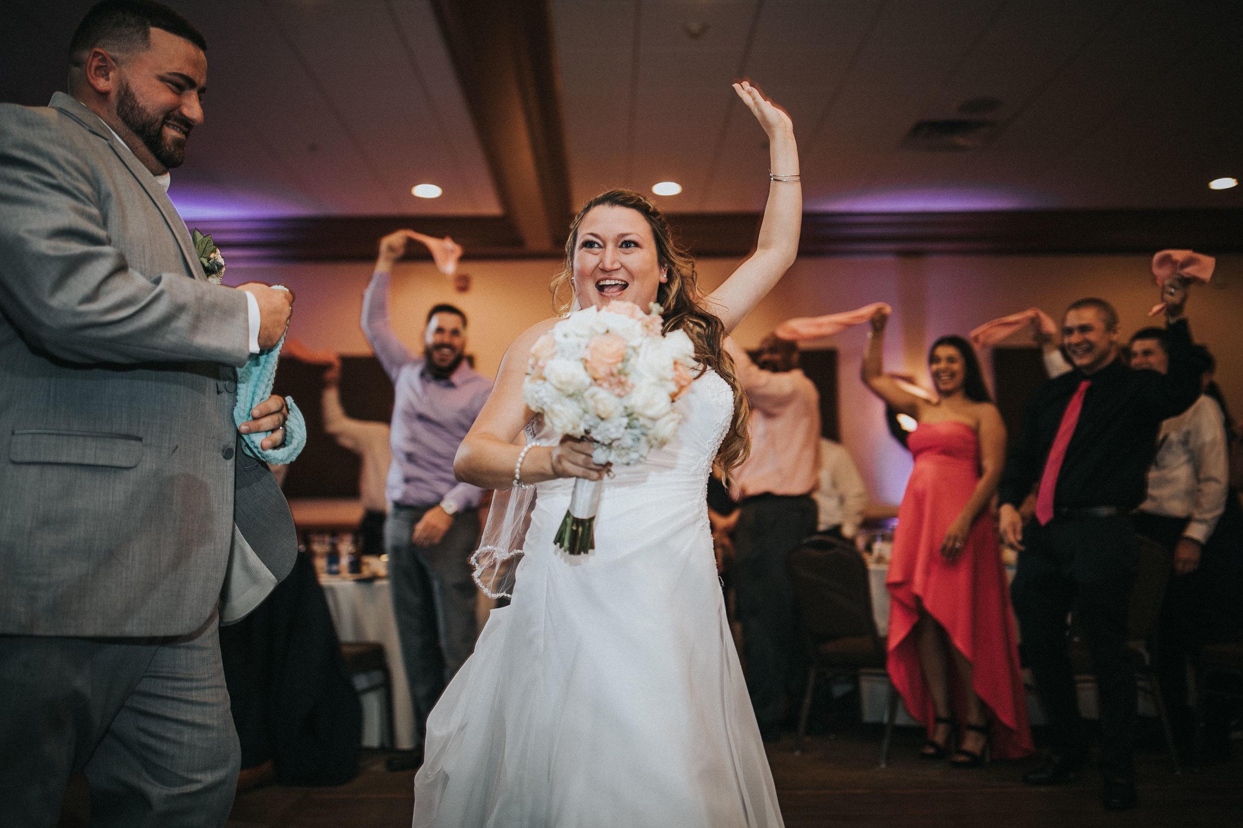 New-Jersey-Wedding-Photographer-JennaLynnPhotography-ValenzanoWinery-Reception-114.jpg