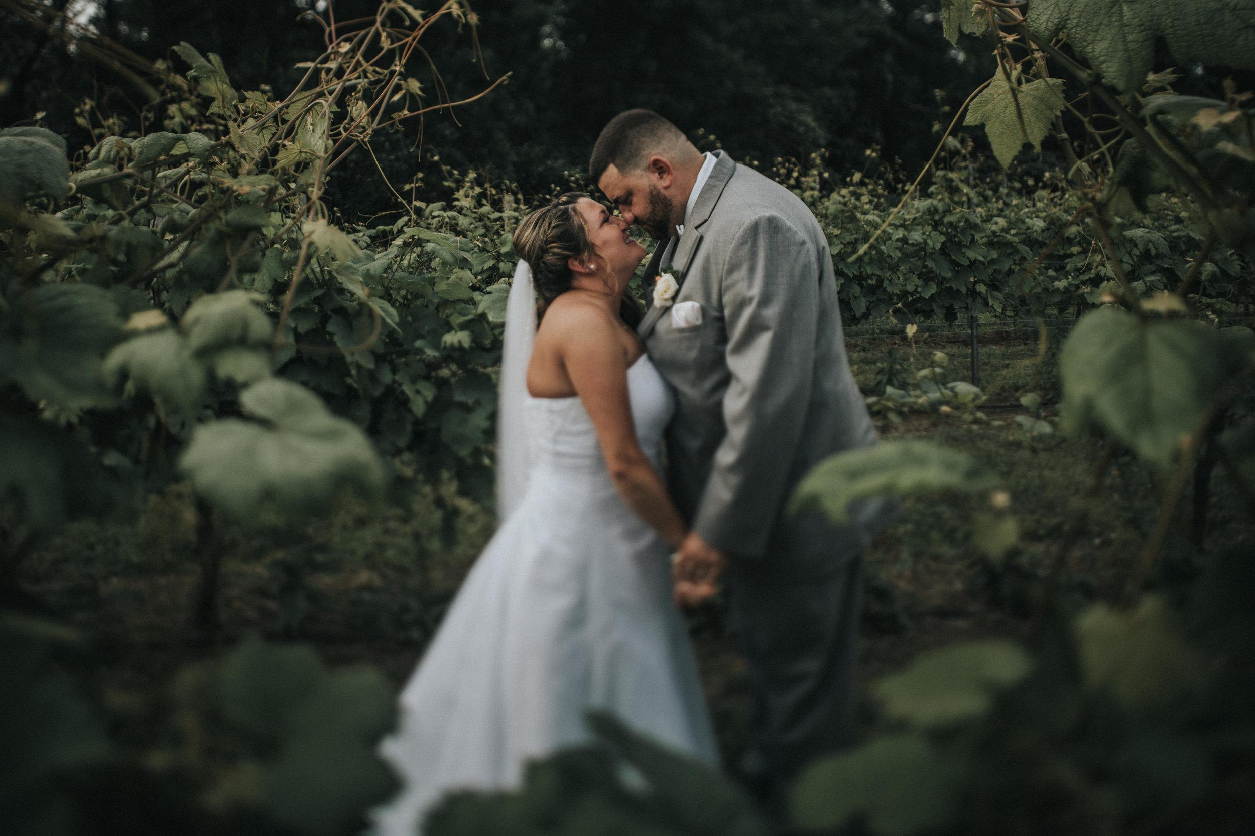 New-Jersey-Wedding-Photographer-JennaLynnPhotography-ValenzanoWinery-Bride&Groom-26.jpg