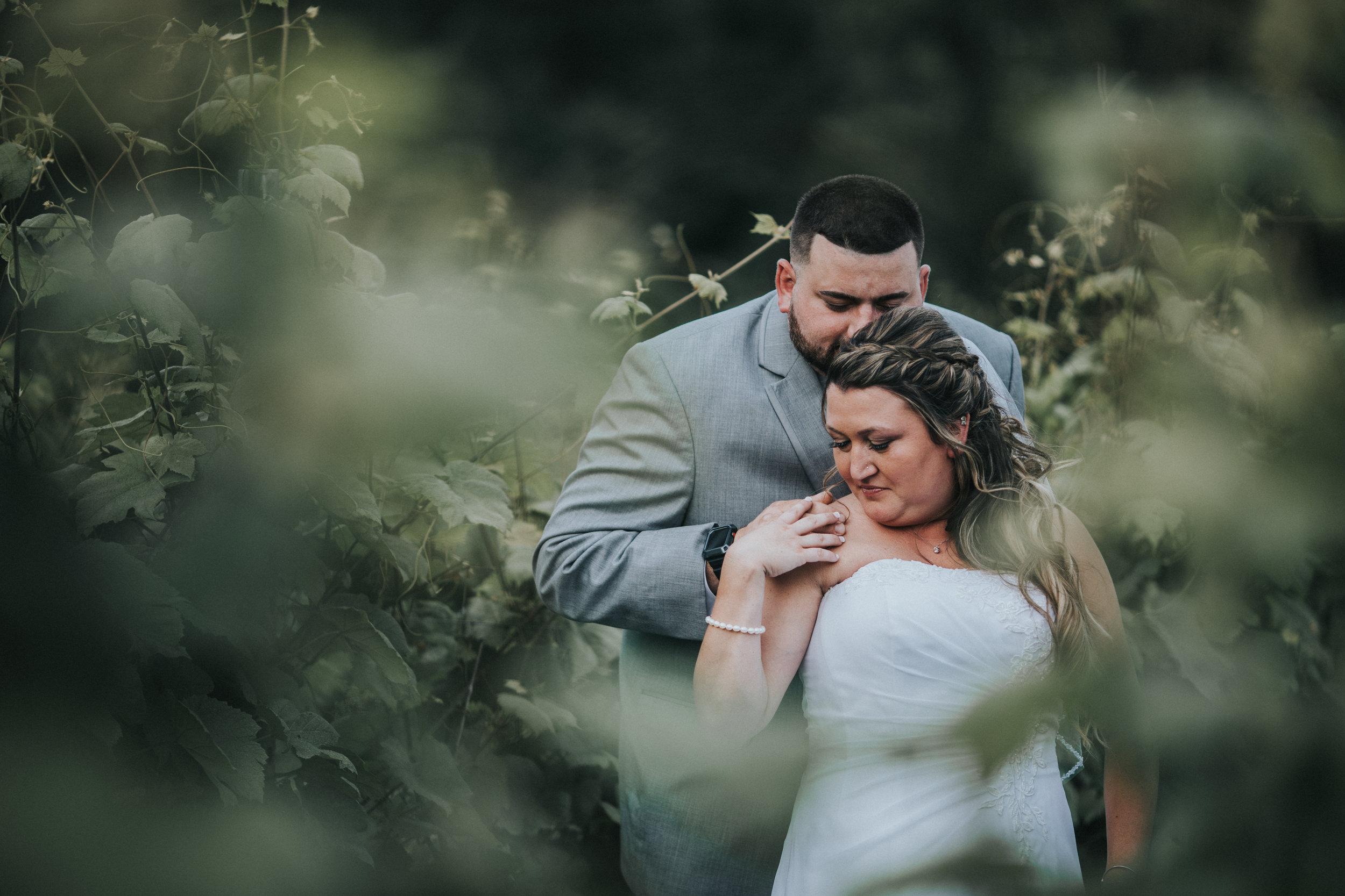 New-Jersey-Wedding-Photographer-JennaLynnPhotography-ValenzanoWinery-Bride&Groom-36.jpg