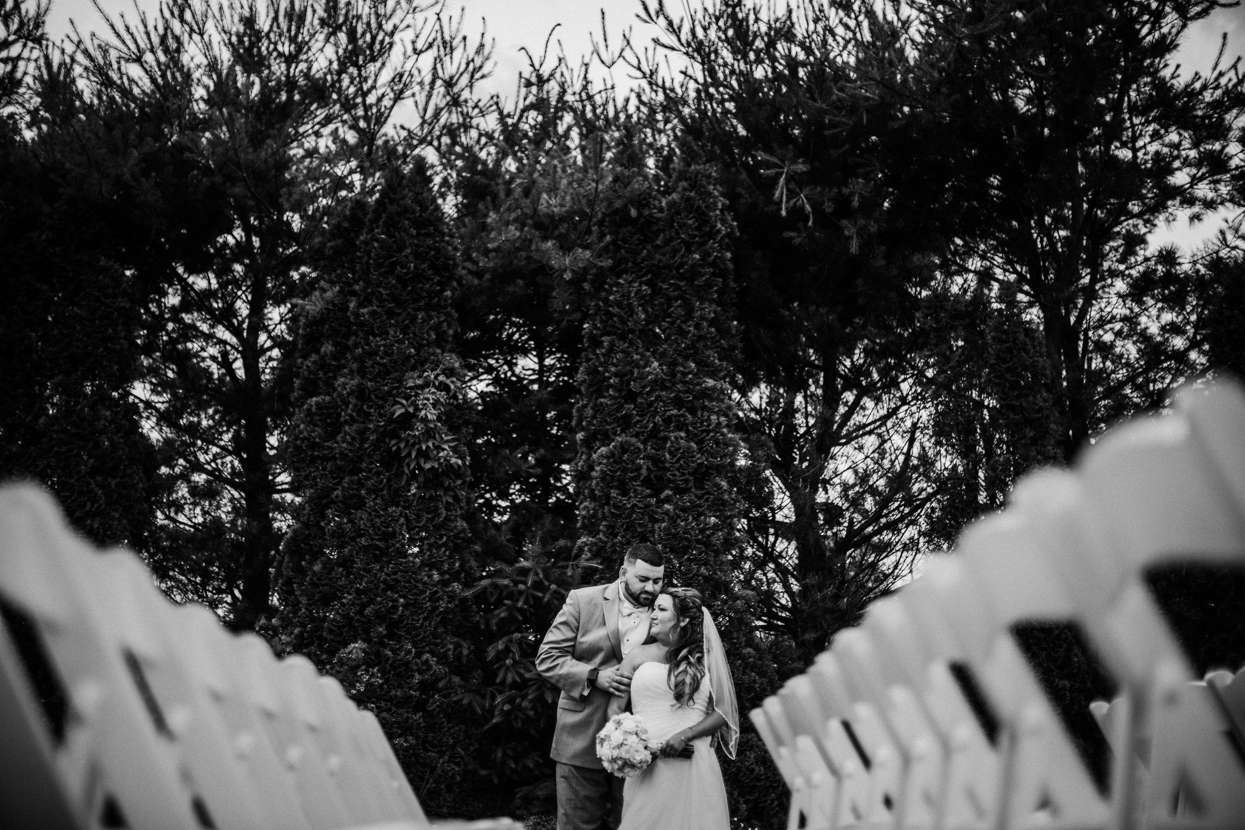 New-Jersey-Wedding-Photographer-JennaLynnPhotography-ValenzanoWinery-Bride&GroomBW-42.jpg