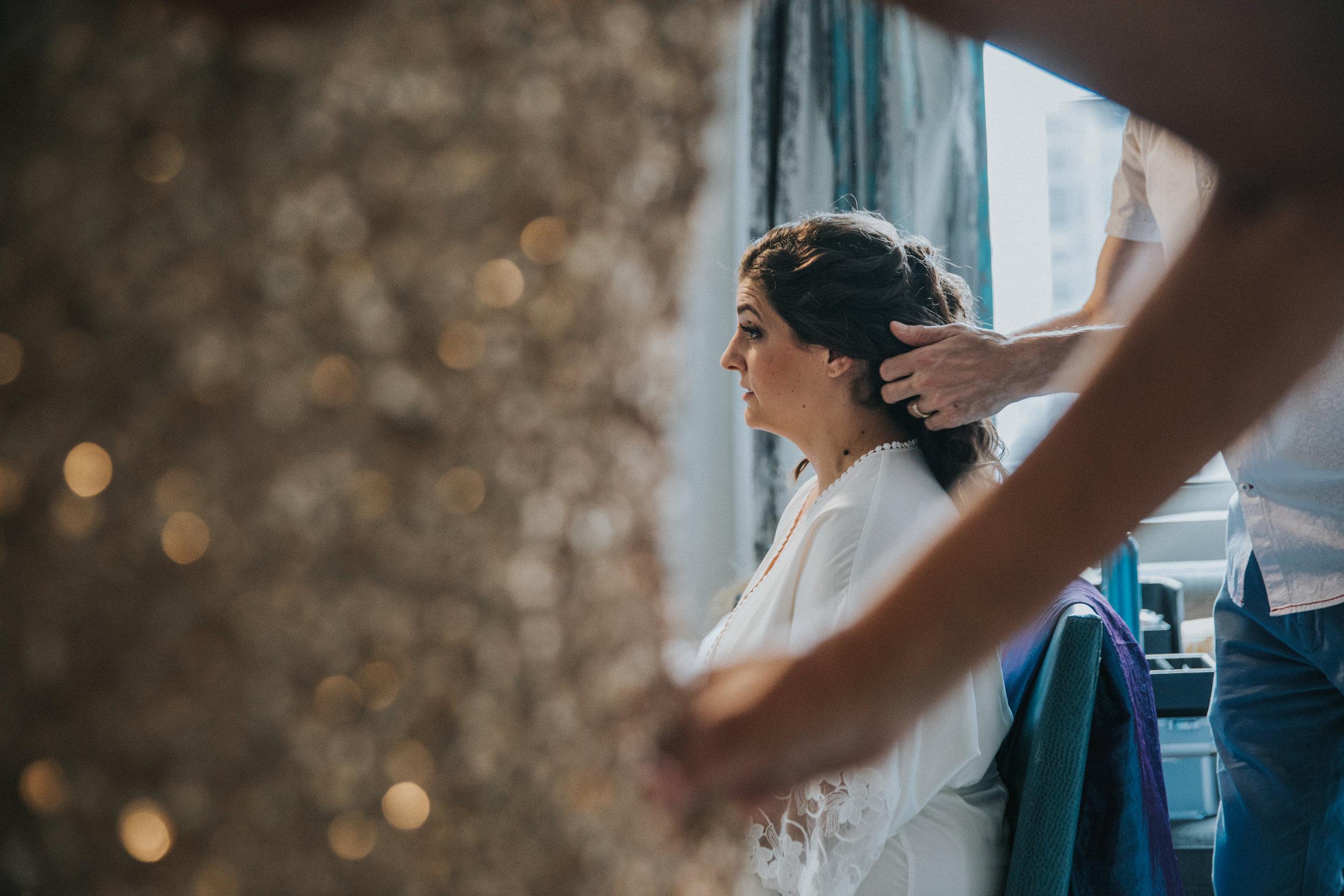JennaLynnPhotography-NJWeddingPhotographer-Philadelphia-Wedding-ArtsBallroom-GettingReady-17.jpg
