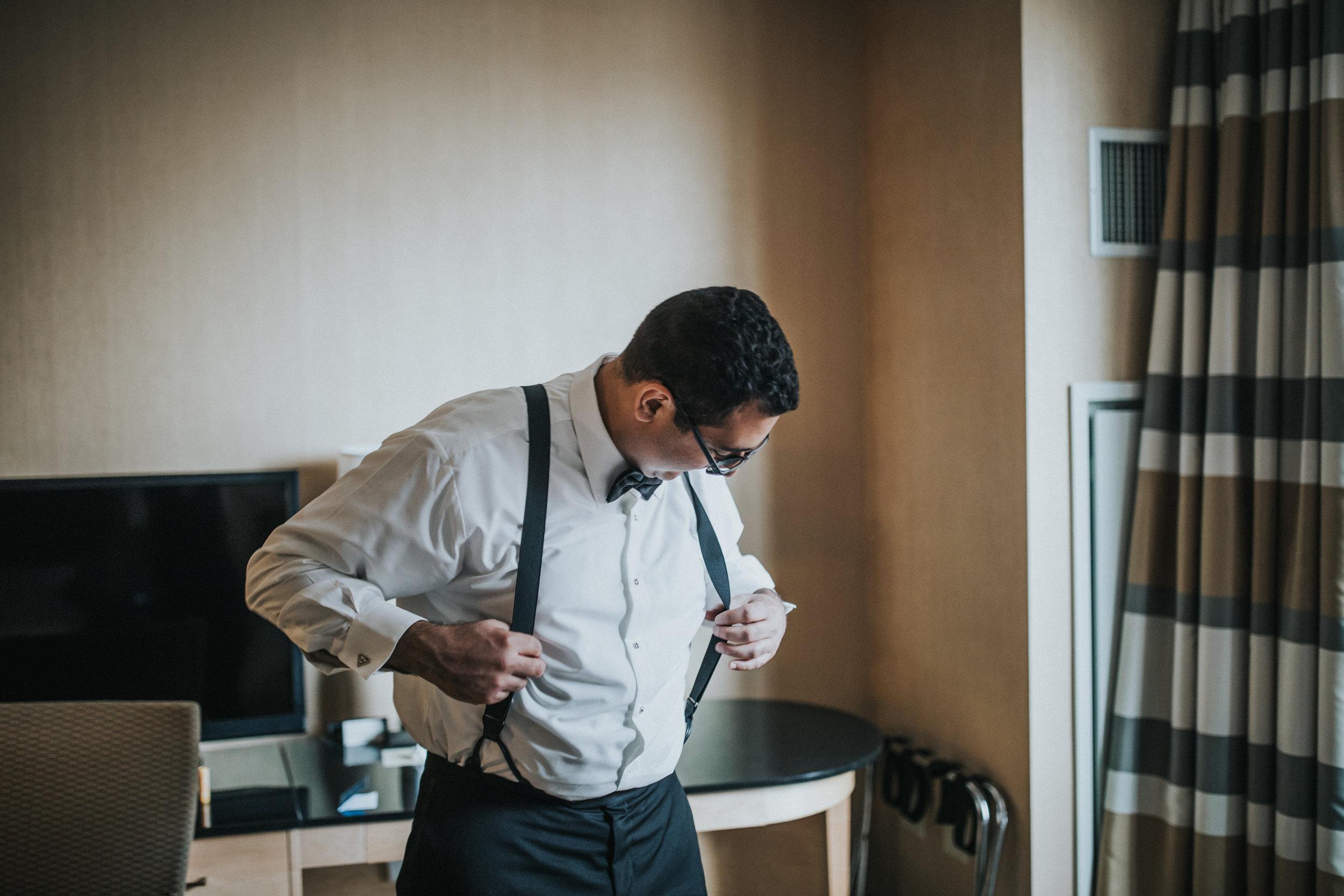 JennaLynnPhotography-NJWeddingPhotographer-Philadelphia-Wedding-ArtsBallroom-GettingReady-29.jpg