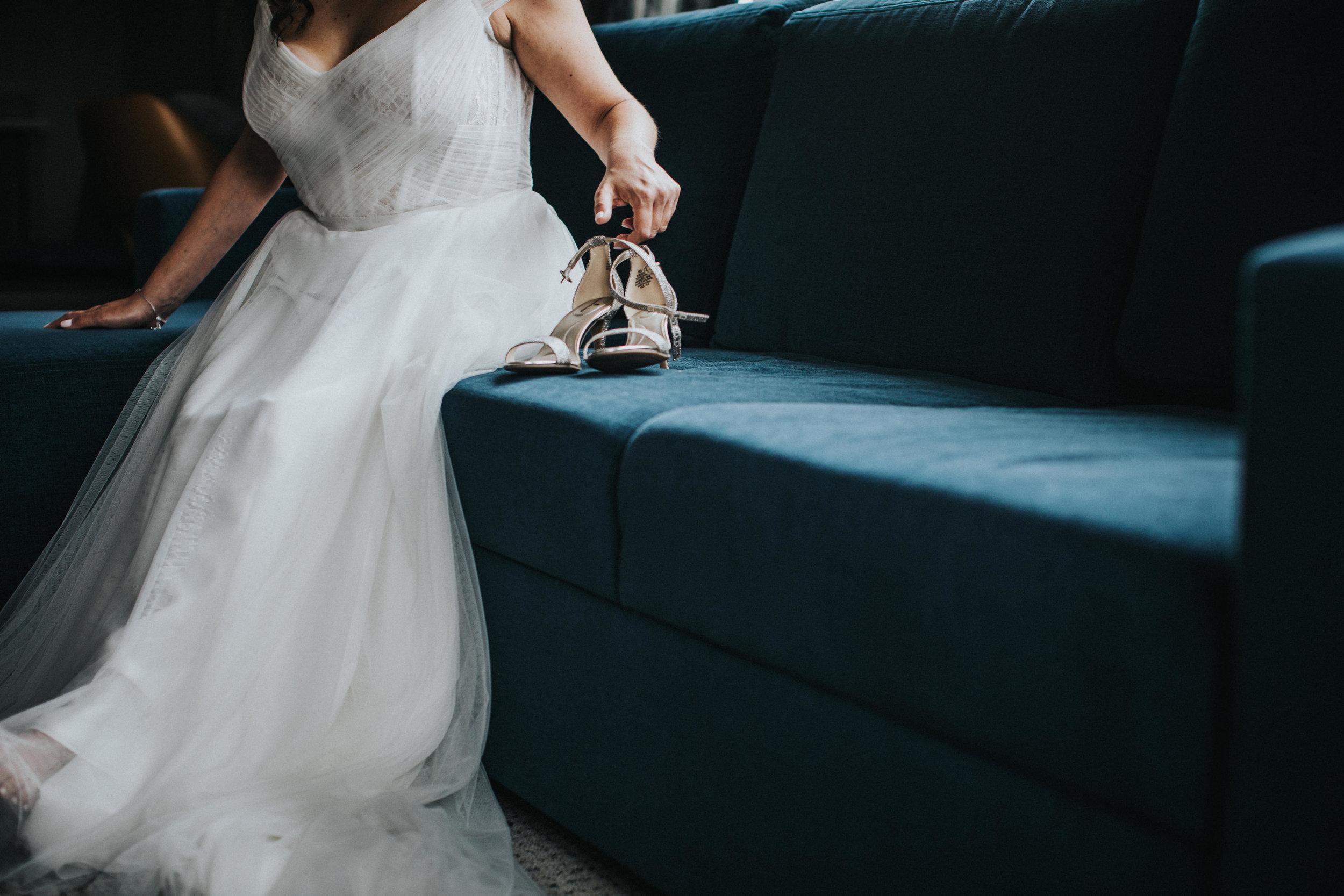 JennaLynnPhotography-NJWeddingPhotographer-Philadelphia-Wedding-ArtsBallroom-GettingReady-49.jpg