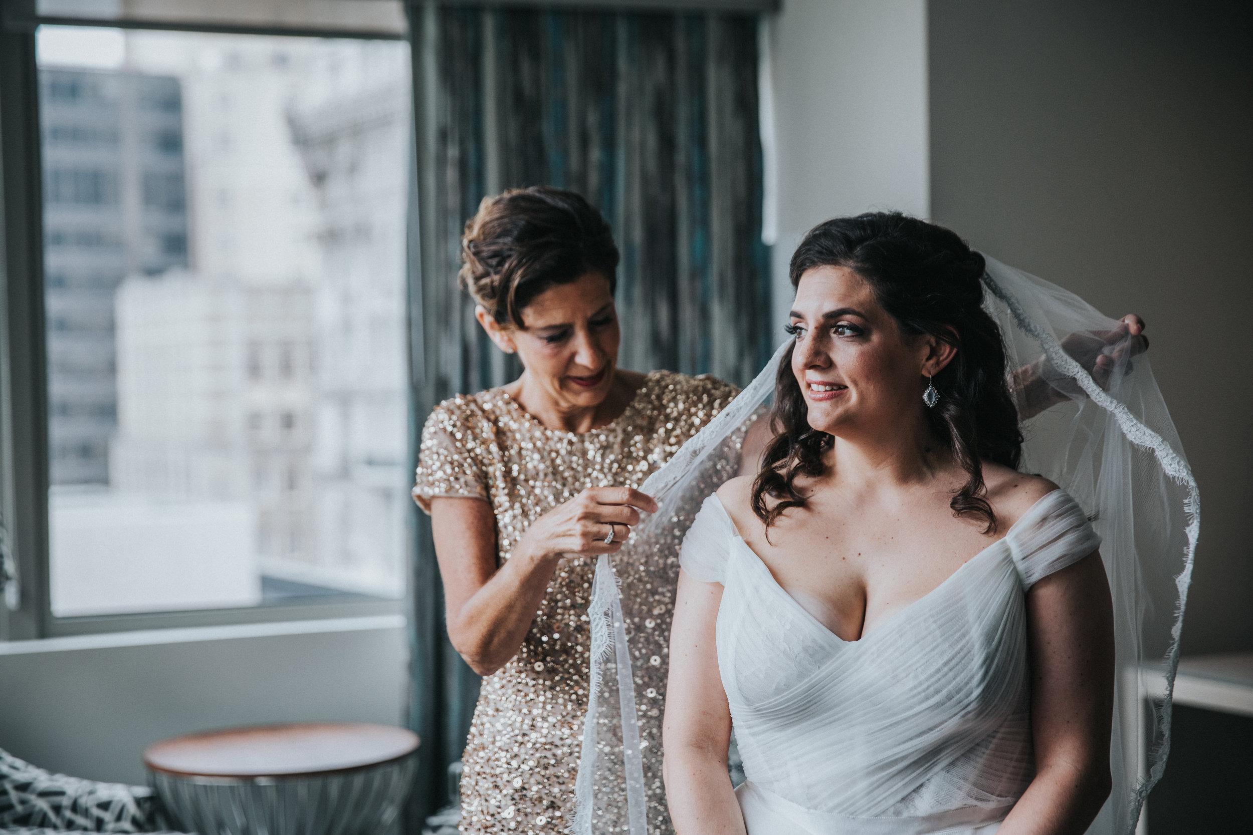 JennaLynnPhotography-NJWeddingPhotographer-Philadelphia-Wedding-ArtsBallroom-GettingReady-67.jpg