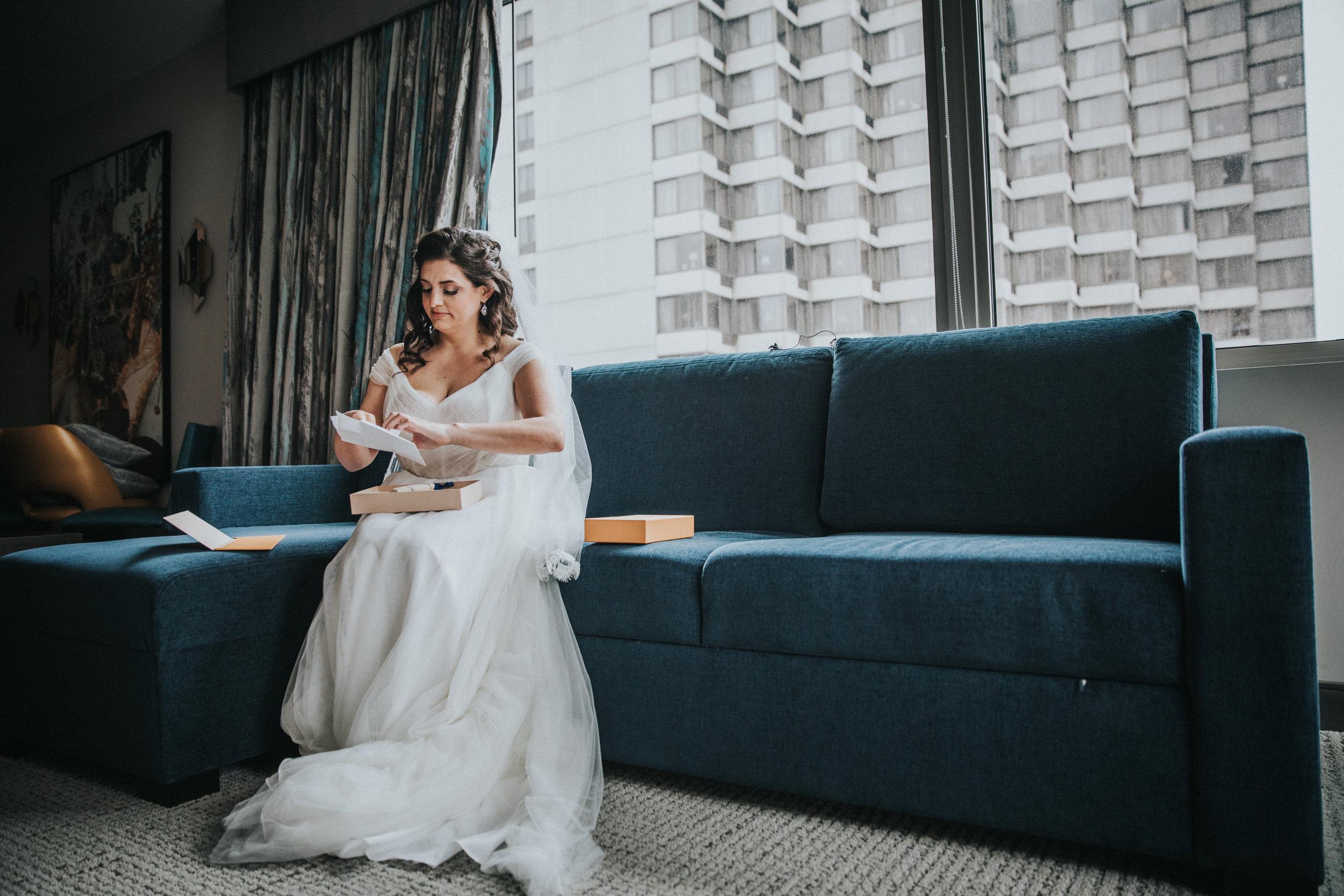 JennaLynnPhotography-NJWeddingPhotographer-Philadelphia-Wedding-ArtsBallroom-GettingReady-78.jpg