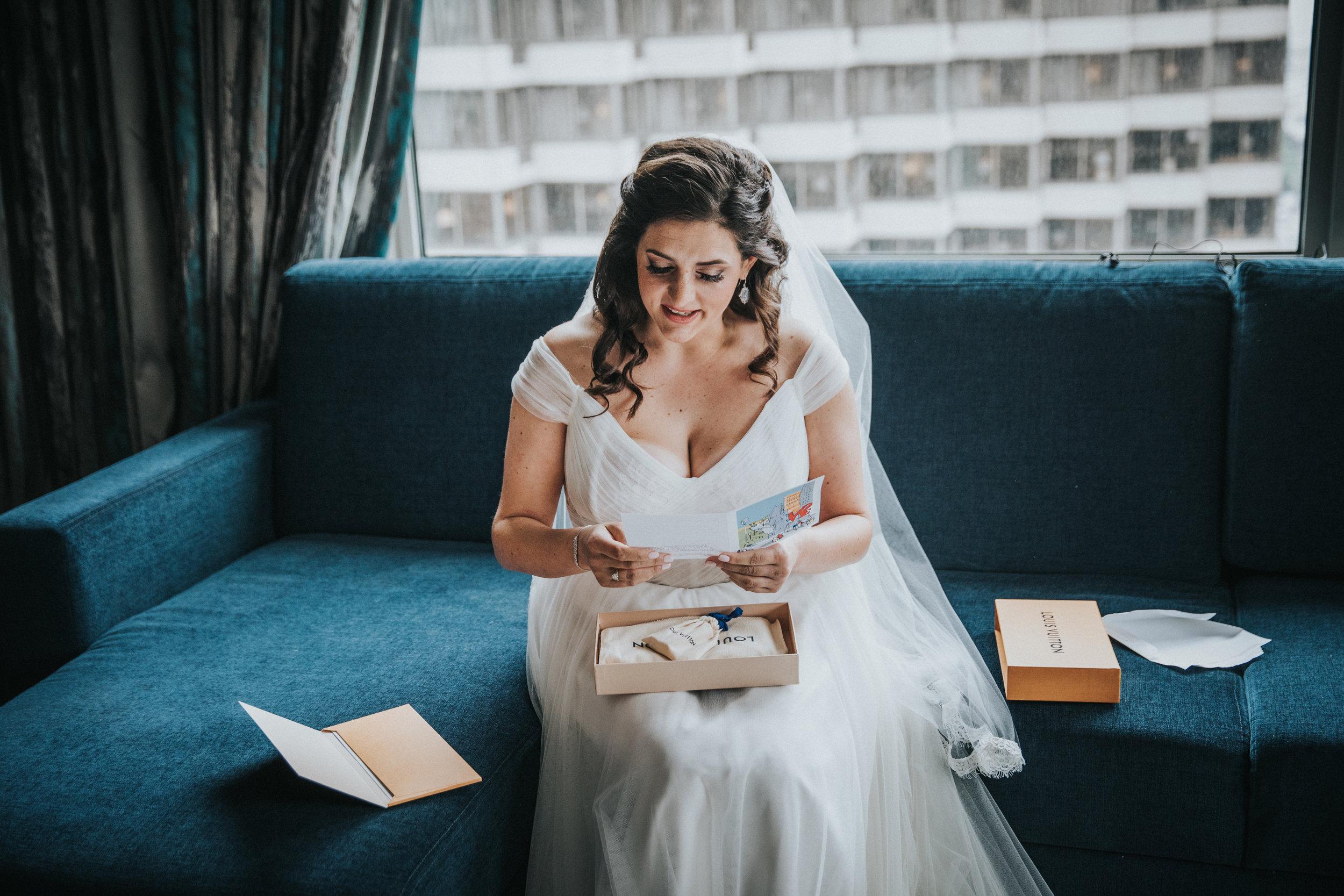 JennaLynnPhotography-NJWeddingPhotographer-Philadelphia-Wedding-ArtsBallroom-GettingReady-79.jpg