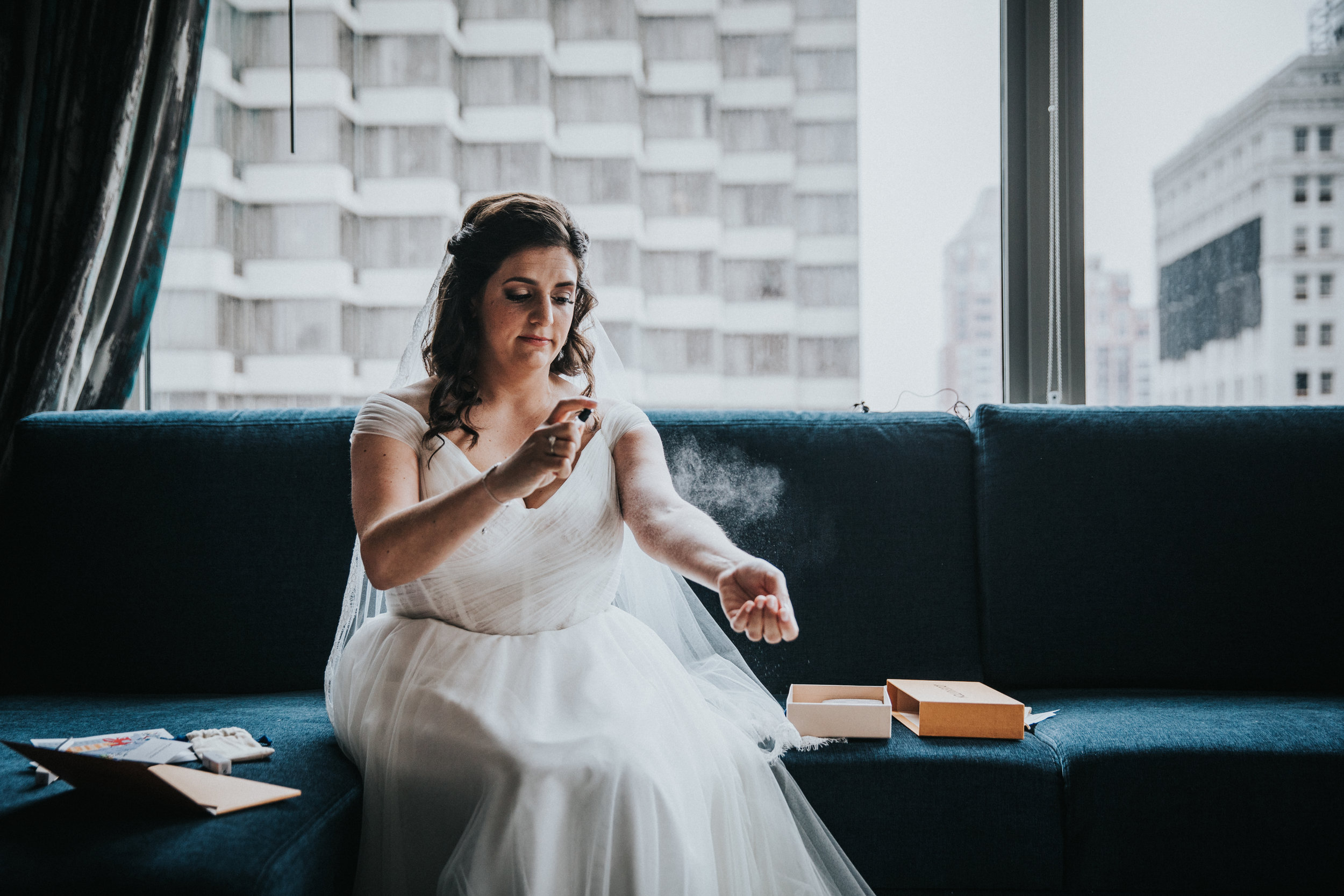 JennaLynnPhotography-NJWeddingPhotographer-Philadelphia-Wedding-ArtsBallroom-GettingReady-88.jpg