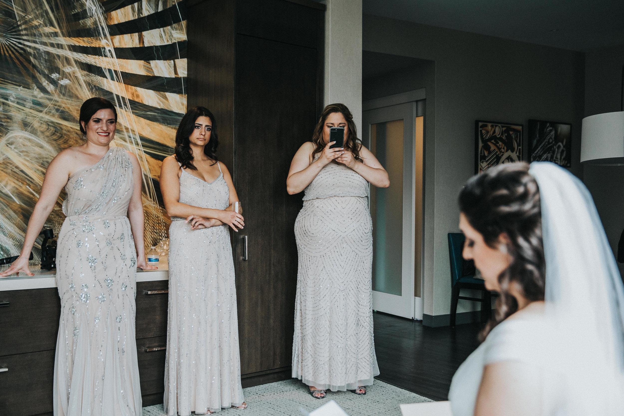 JennaLynnPhotography-NJWeddingPhotographer-Philadelphia-Wedding-ArtsBallroom-GettingReady-94.jpg