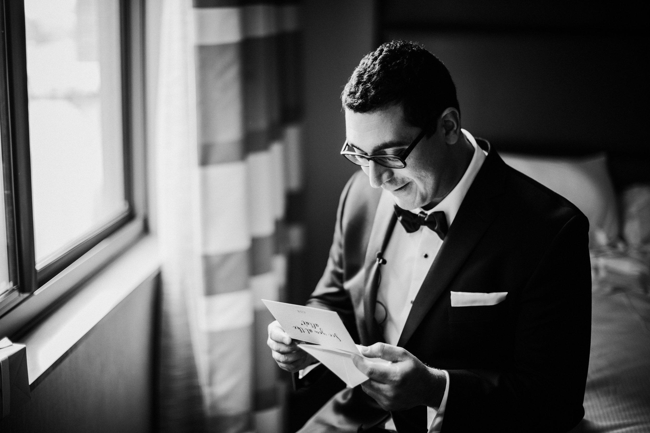 JennaLynnPhotography-NJWeddingPhotographer-Philadelphia-Wedding-ArtsBallroom-GettingReadyBW-70.jpg