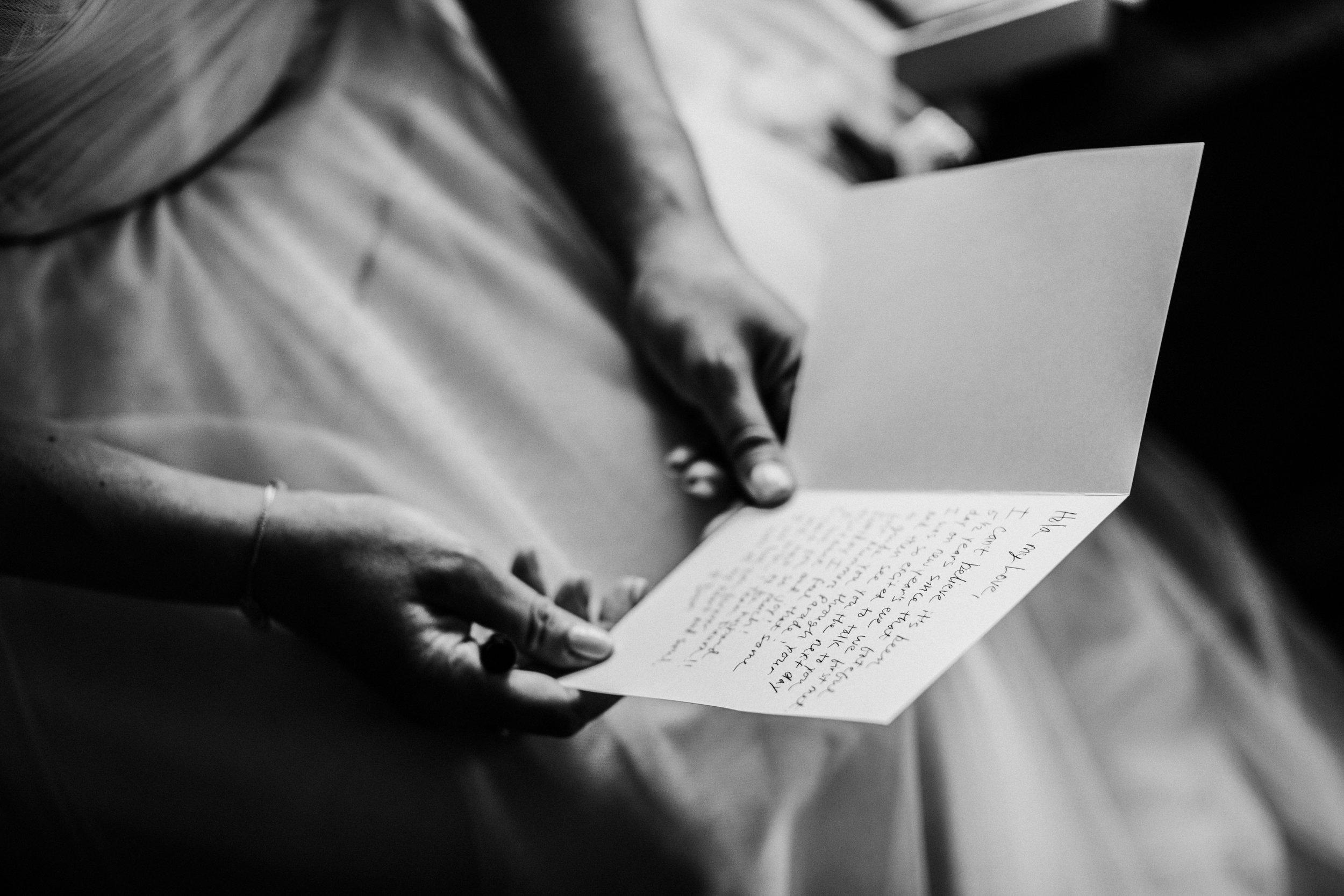 JennaLynnPhotography-NJWeddingPhotographer-Philadelphia-Wedding-ArtsBallroom-GettingReadyBW-93.jpg