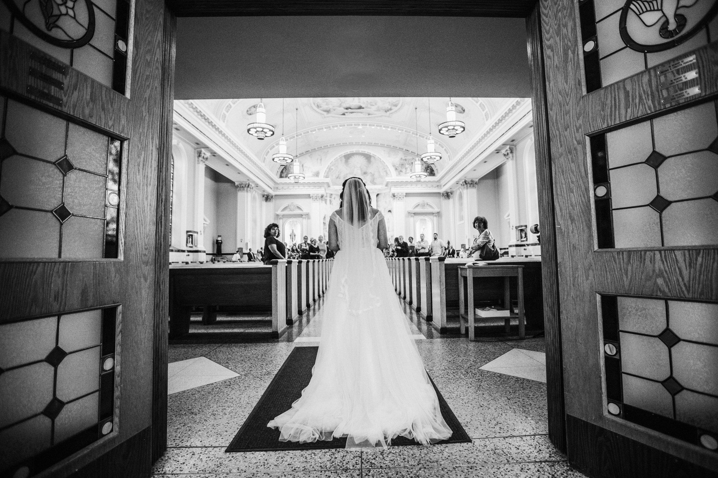 JennaLynnPhotography-NJWeddingPhotographer-Philadelphia-Wedding-ArtsBallroom-CeremonyBW-88.jpg