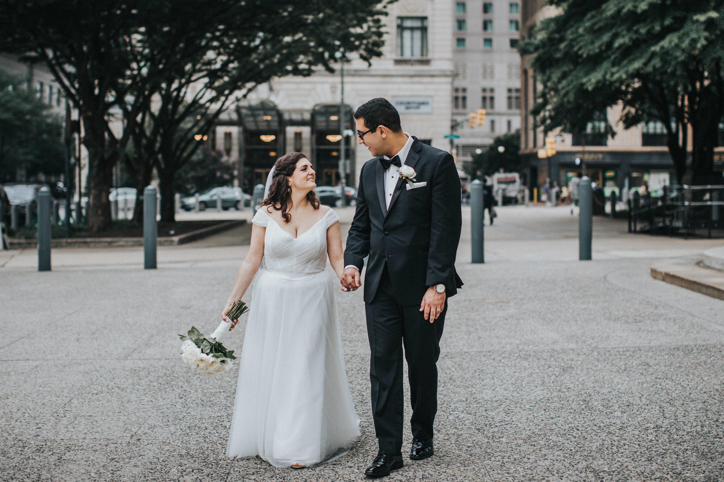 JennaLynnPhotography-NJWeddingPhotographer-Philadelphia-Wedding-ArtsBallroom-BridalParty-18.jpg
