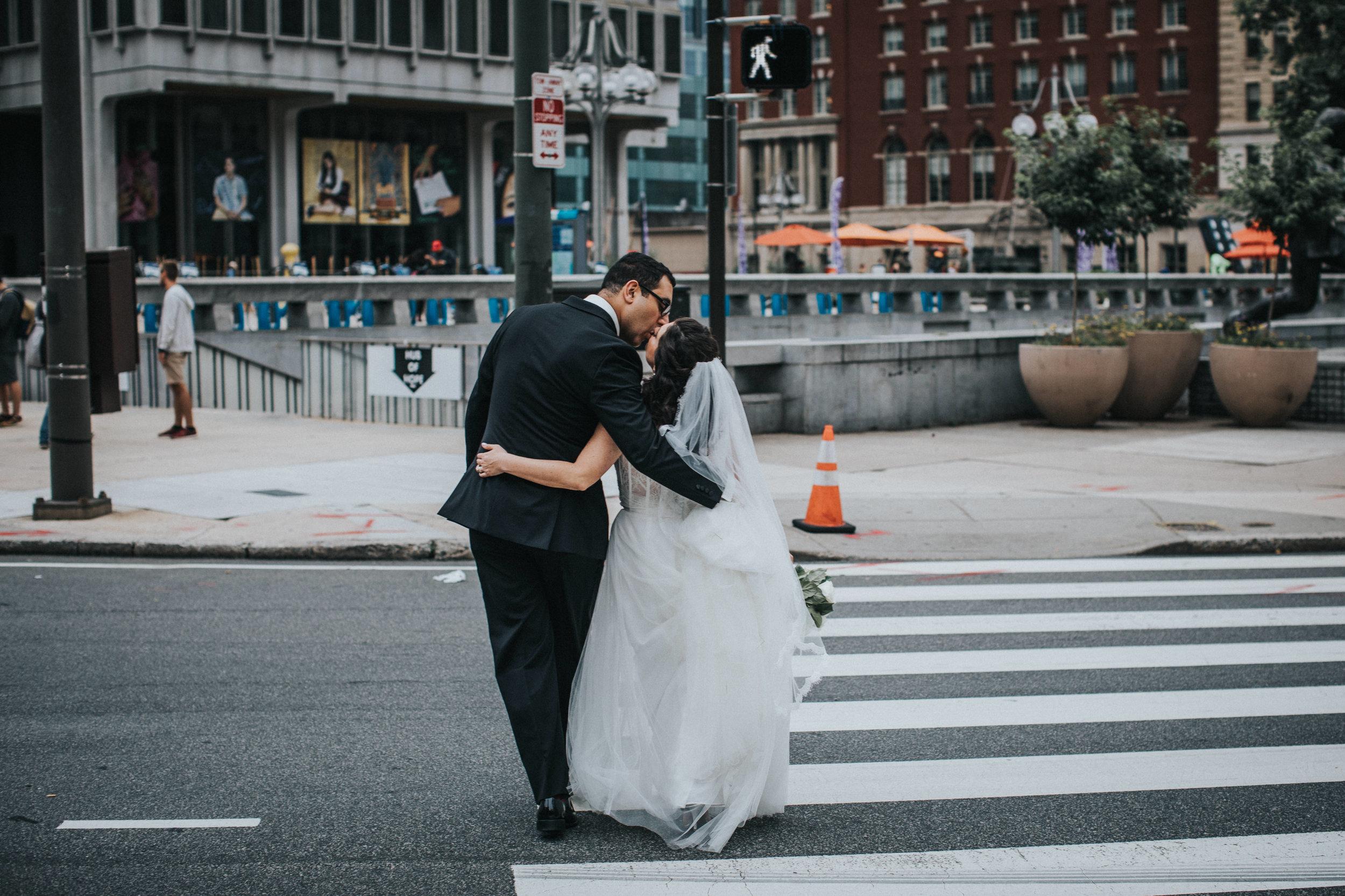 JennaLynnPhotography-NJWeddingPhotographer-Philadelphia-Wedding-ArtsBallroom-BridalParty-33.jpg