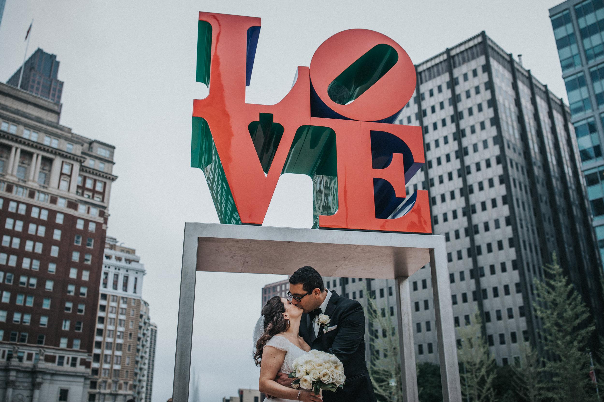 JennaLynnPhotography-NJWeddingPhotographer-Philadelphia-Wedding-ArtsBallroom-BridalParty-40.jpg