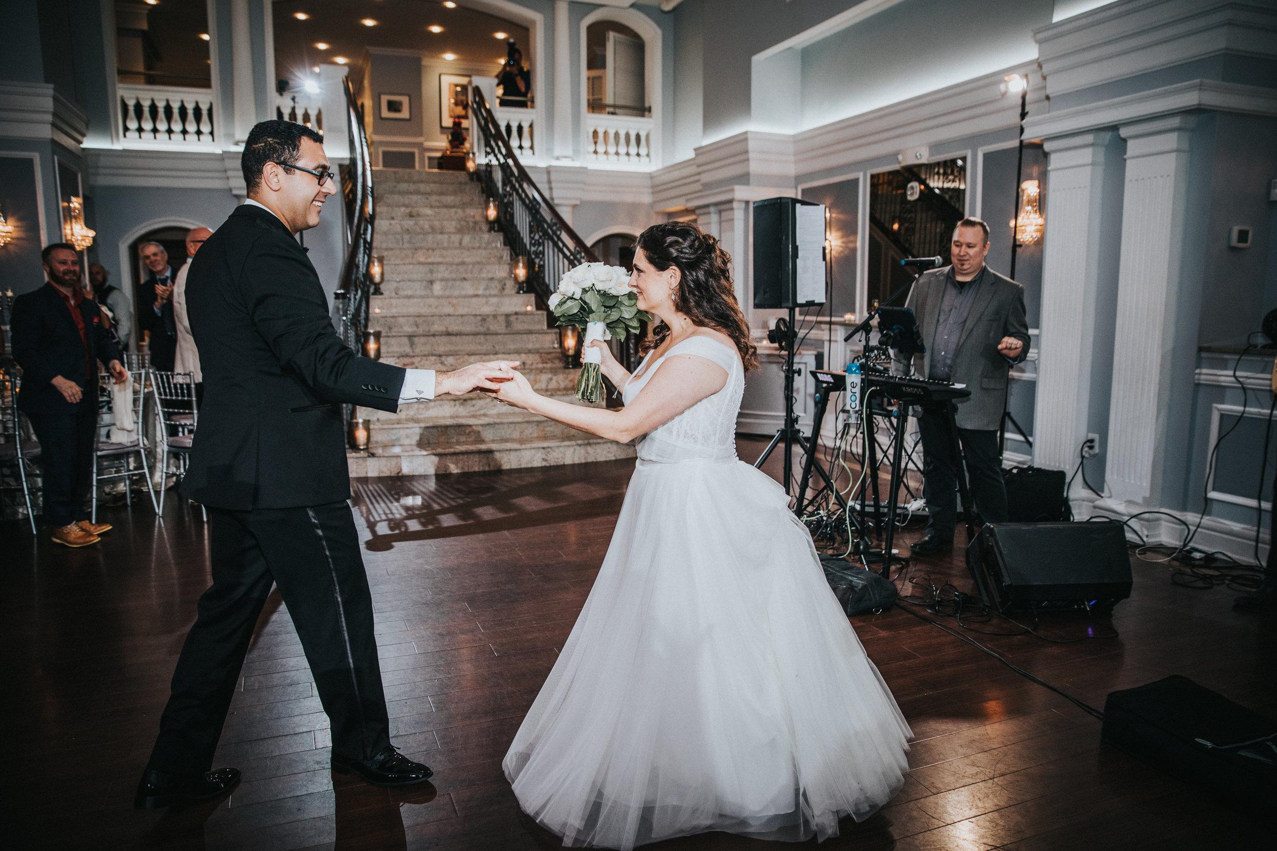 JennaLynnPhotography-NJWeddingPhotographer-Philadelphia-Wedding-ArtsBallroom-Reception-17.jpg