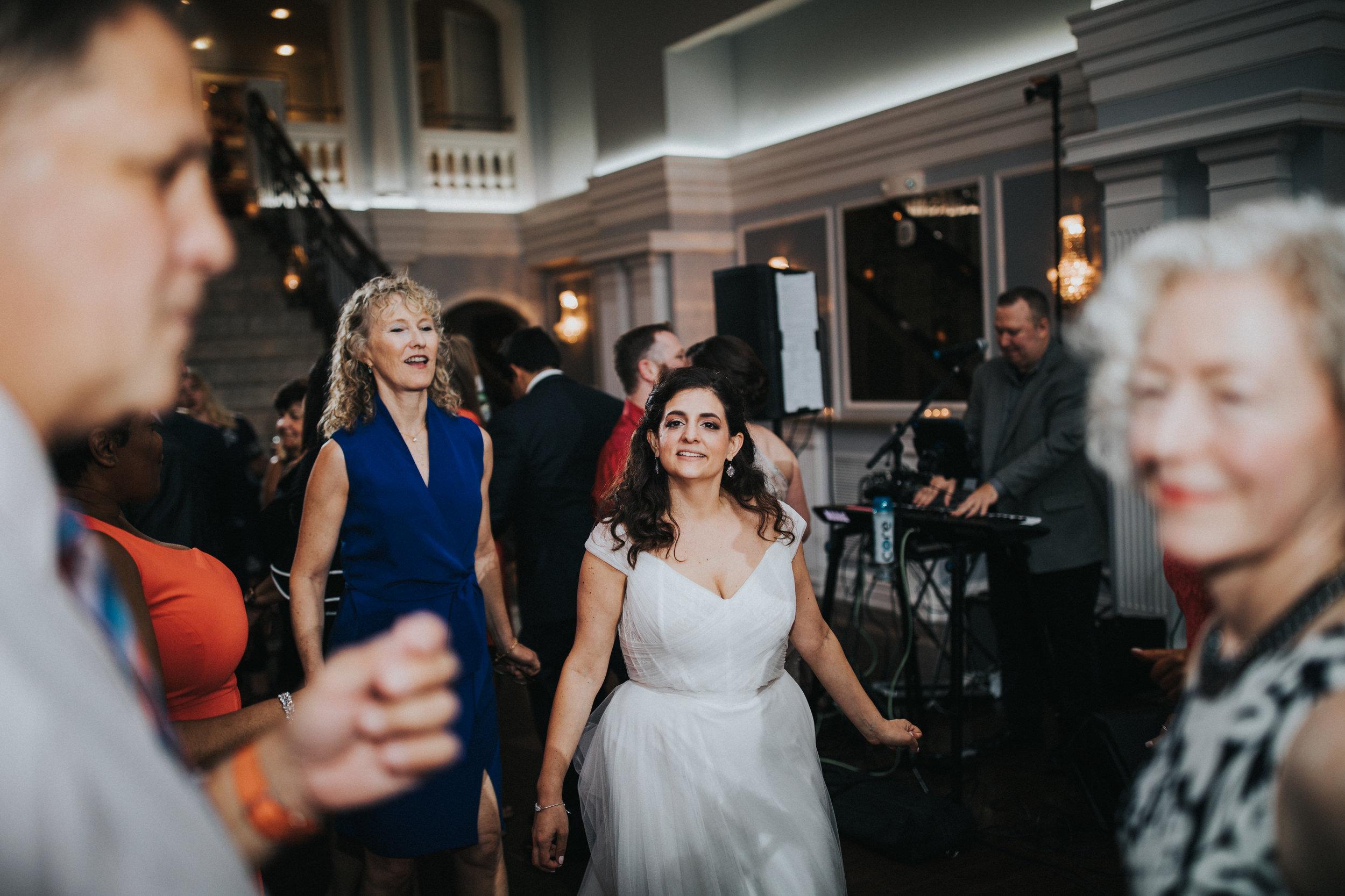JennaLynnPhotography-NJWeddingPhotographer-Philadelphia-Wedding-ArtsBallroom-Reception-138.jpg