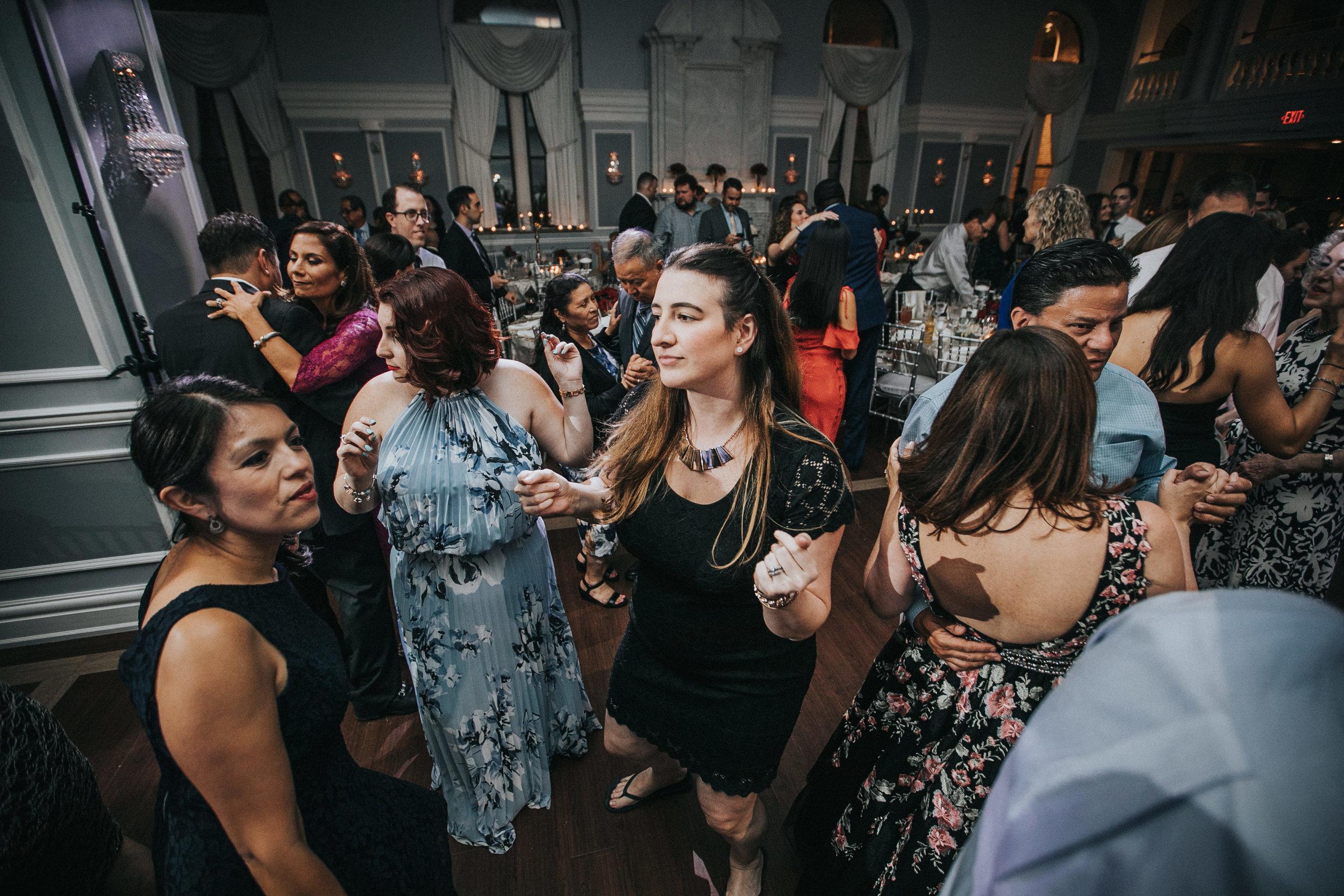 JennaLynnPhotography-NJWeddingPhotographer-Philadelphia-Wedding-ArtsBallroom-Reception-173.jpg