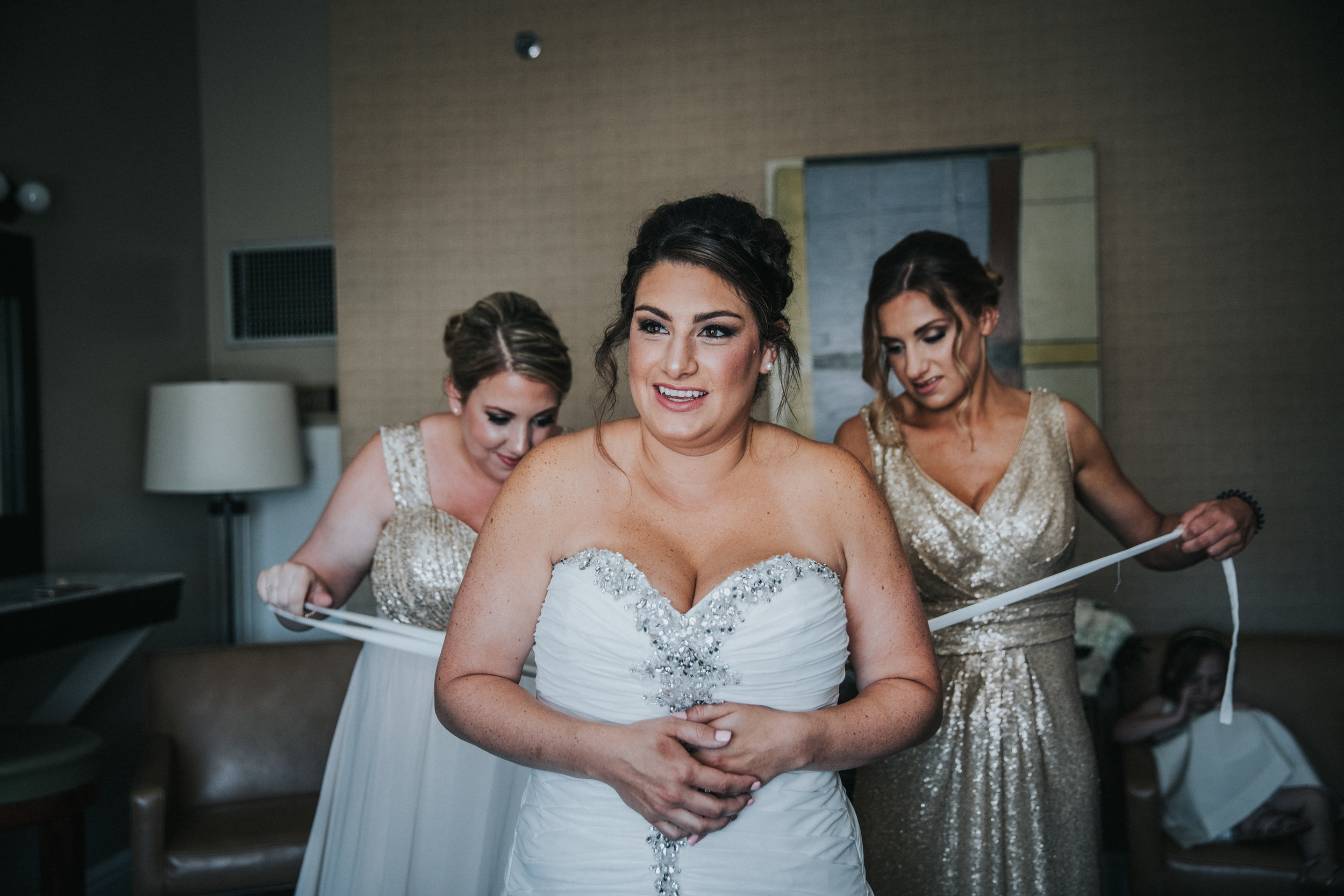 JennaLynnPhotography-NJWeddingPhotographer-Wedding-TheBerkeley-AsburyPark-Allison&Michael-GettingReady-69.jpg