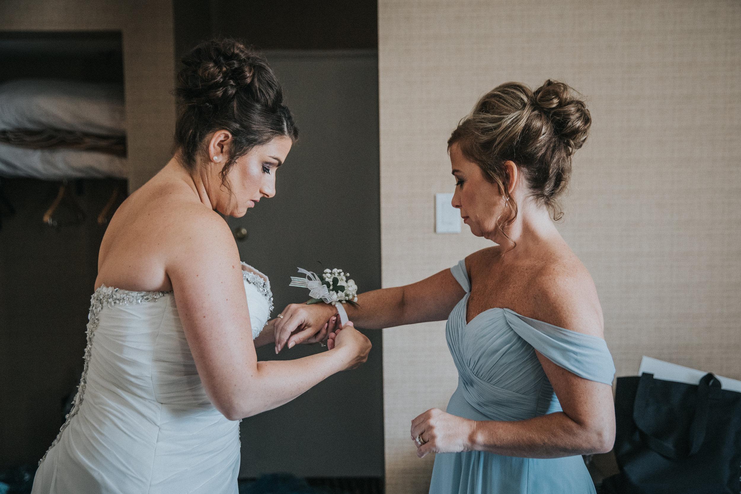 JennaLynnPhotography-NJWeddingPhotographer-Wedding-TheBerkeley-AsburyPark-Allison&Michael-GettingReady-79.jpg