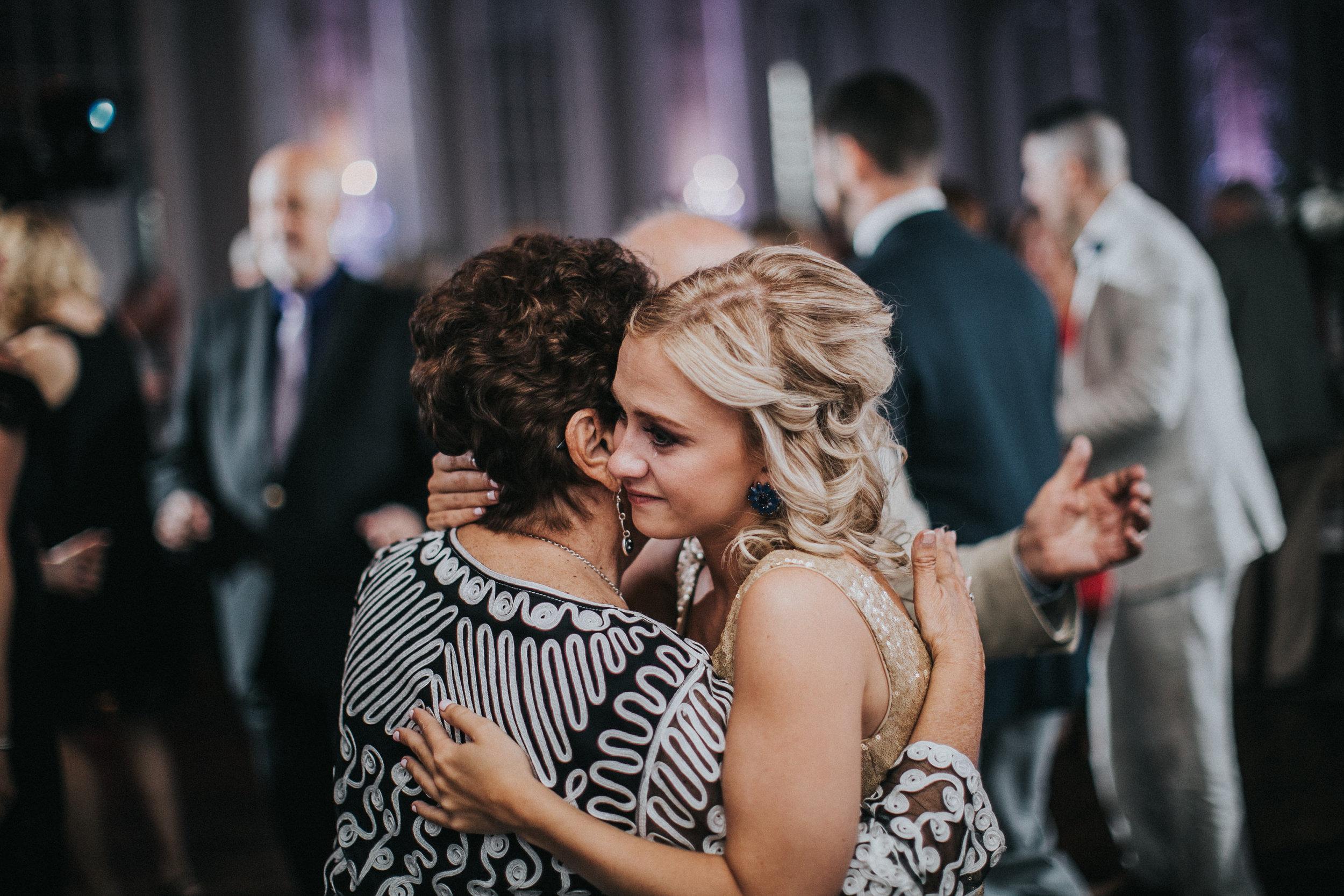 JennaLynnPhotography-NJWeddingPhotographer-Wedding-TheBerkeley-AsburyPark-Allison&Michael-Reception-105.jpg